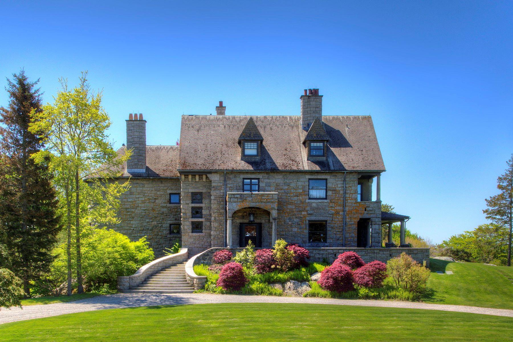 独户住宅 为 销售 在 Wild Moor Estate 21 Hammersmith Road 纽波特, 02840 美国