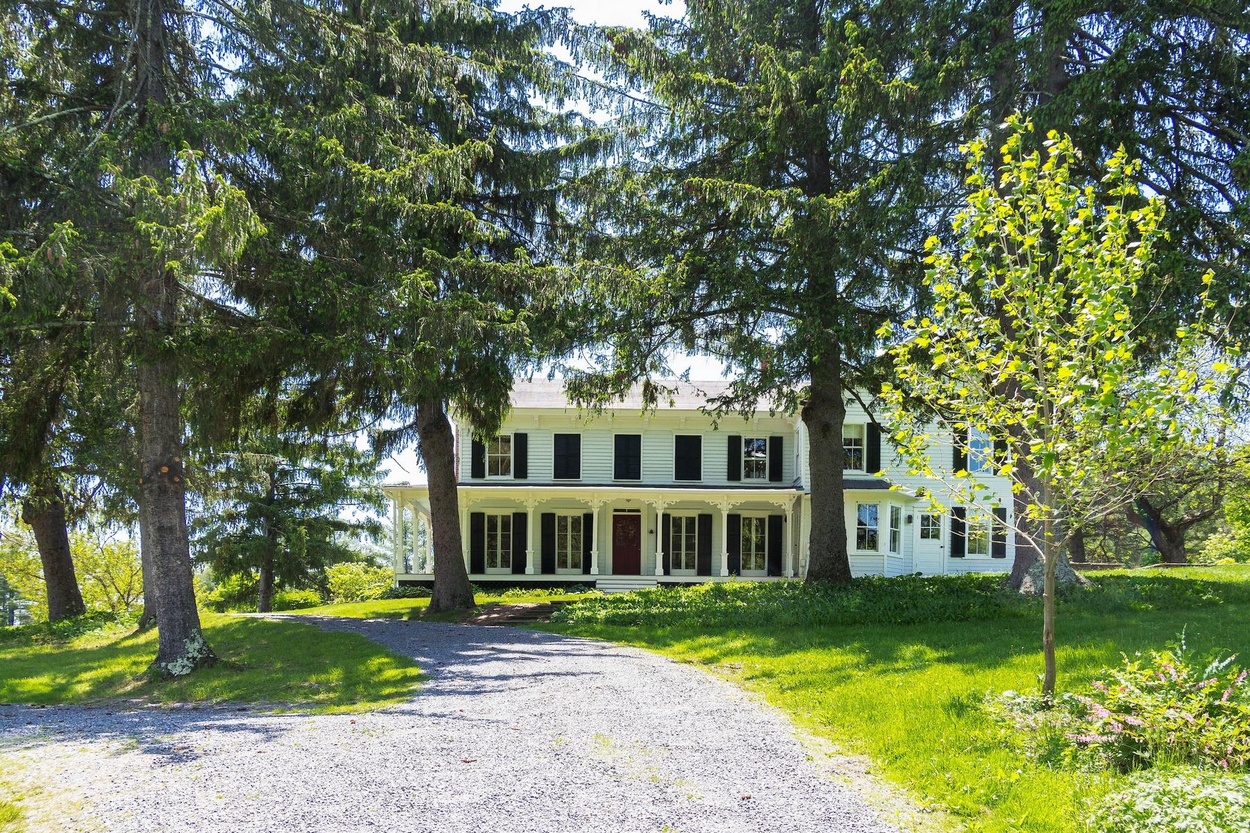 Maison unifamiliale pour l Vente à 652 Cauterskill Rd, Catskill, NY 12414 652 Cauterskill Rd Catskill, New York 12414 États-Unis