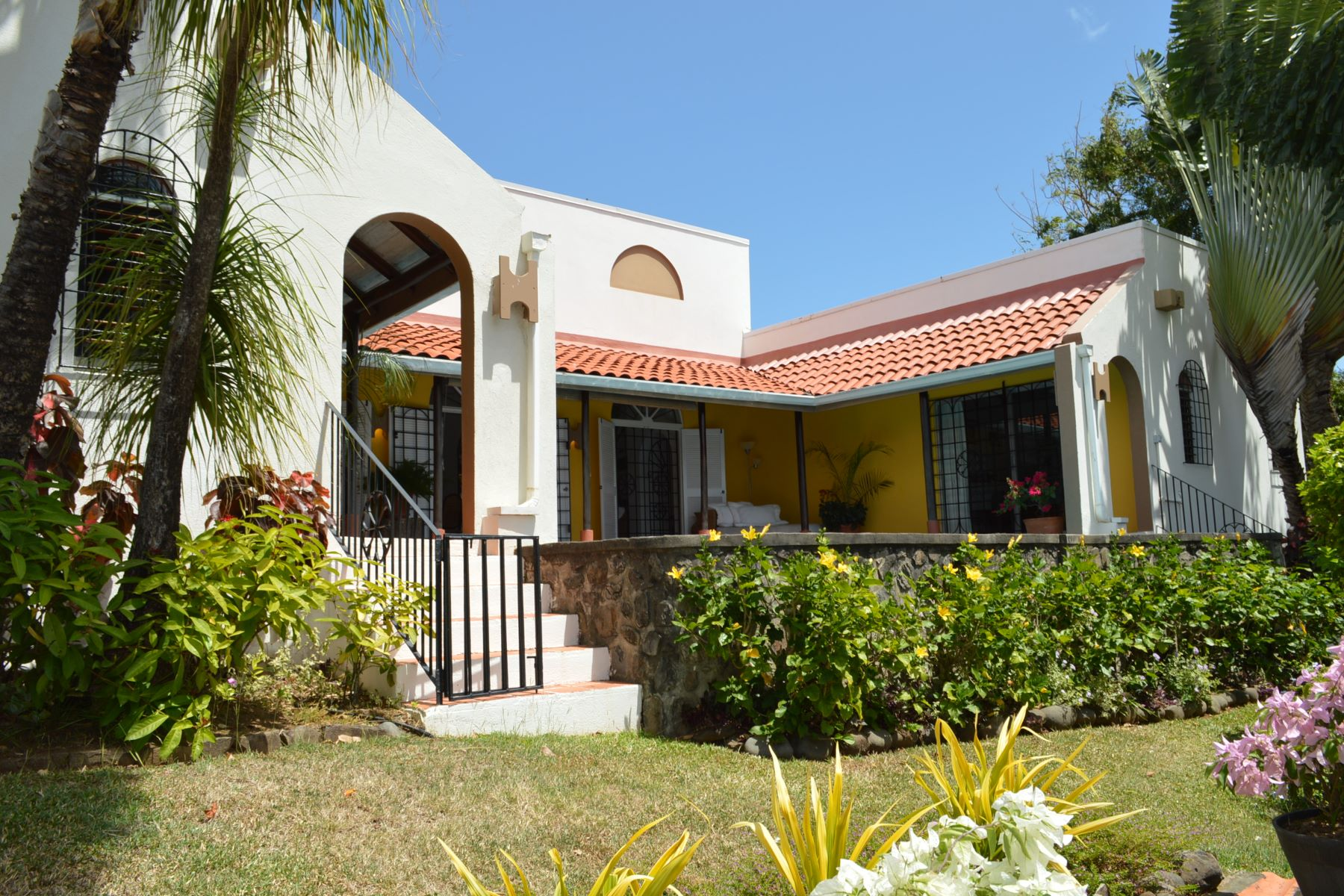 Single Family Homes por un Venta en Cities In Saint Vincent And The Grenadines, VCT