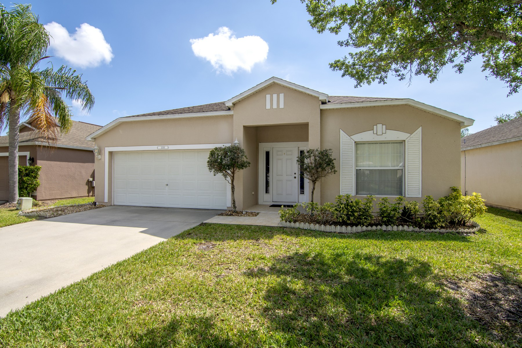 single family homes for Sale at Lovely Home with Lake Views 1088 W 13th Square Vero Beach, Florida 32960 United States