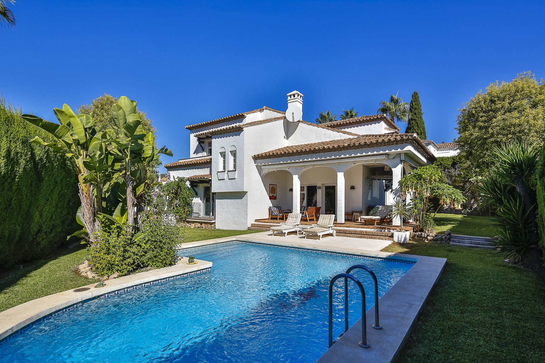 Single Family Home for Sale at BEAUTIFUL MEDITERRANEAN VILLA IN MARBELLA COUNTRY CLUB, NUEVA ANDALUCIA Other Andalucia, Andalucia, Spain