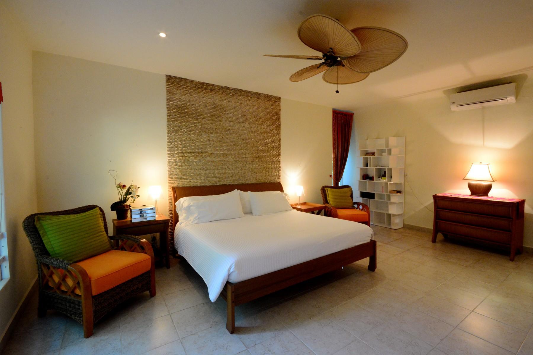 Additional photo for property listing at CASA CARLOTTA Casa Carlotta Paseo Xaman Ha, lot 53, mza 22, Club Real Playa Del Carmen, Quintana Roo 77710 México