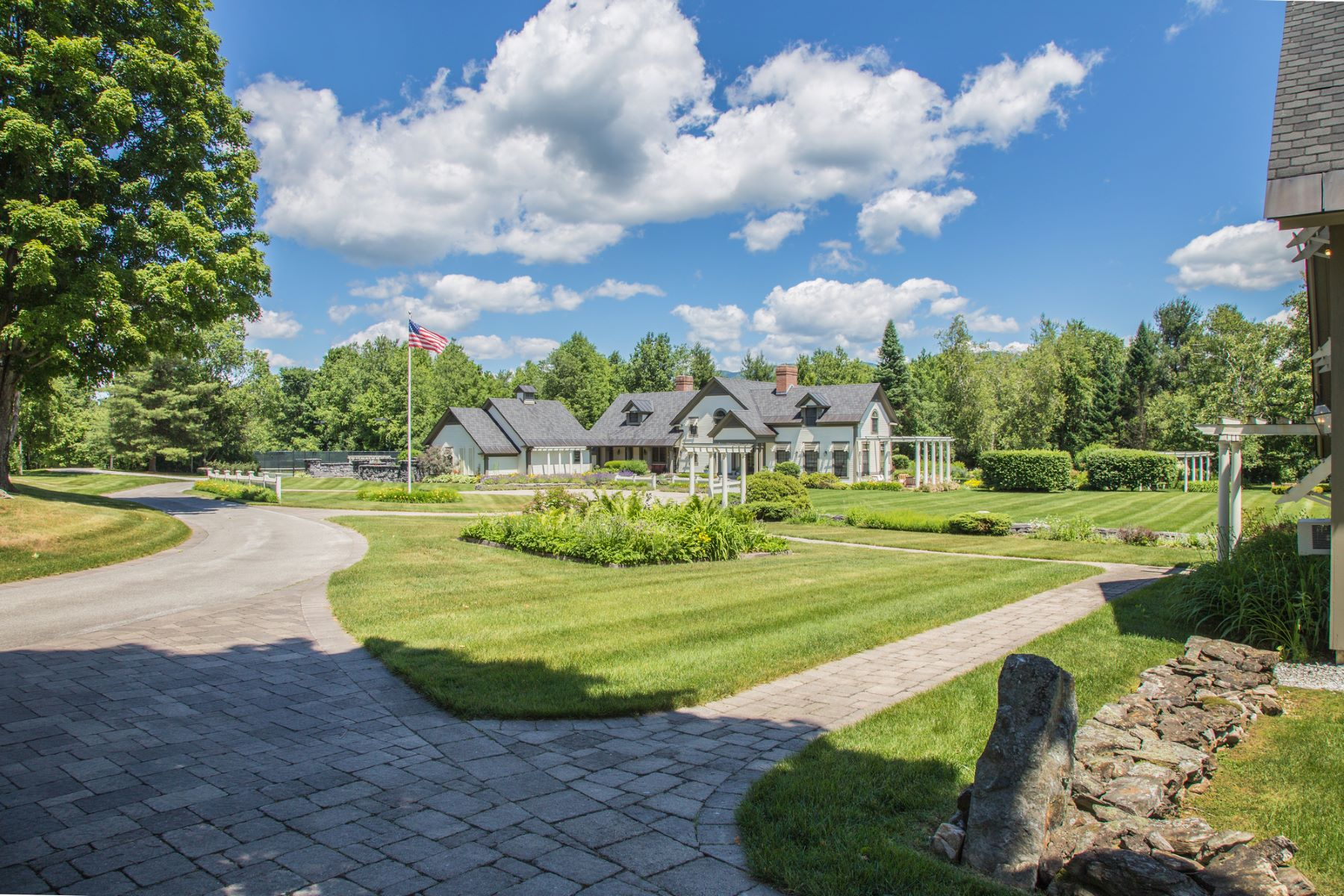 Single Family Home for Sale at Vermont Oasis-Private-Entertainment Barn - Pool 9 Abbey Ln 4 Rutland Town, Vermont 05701 United States