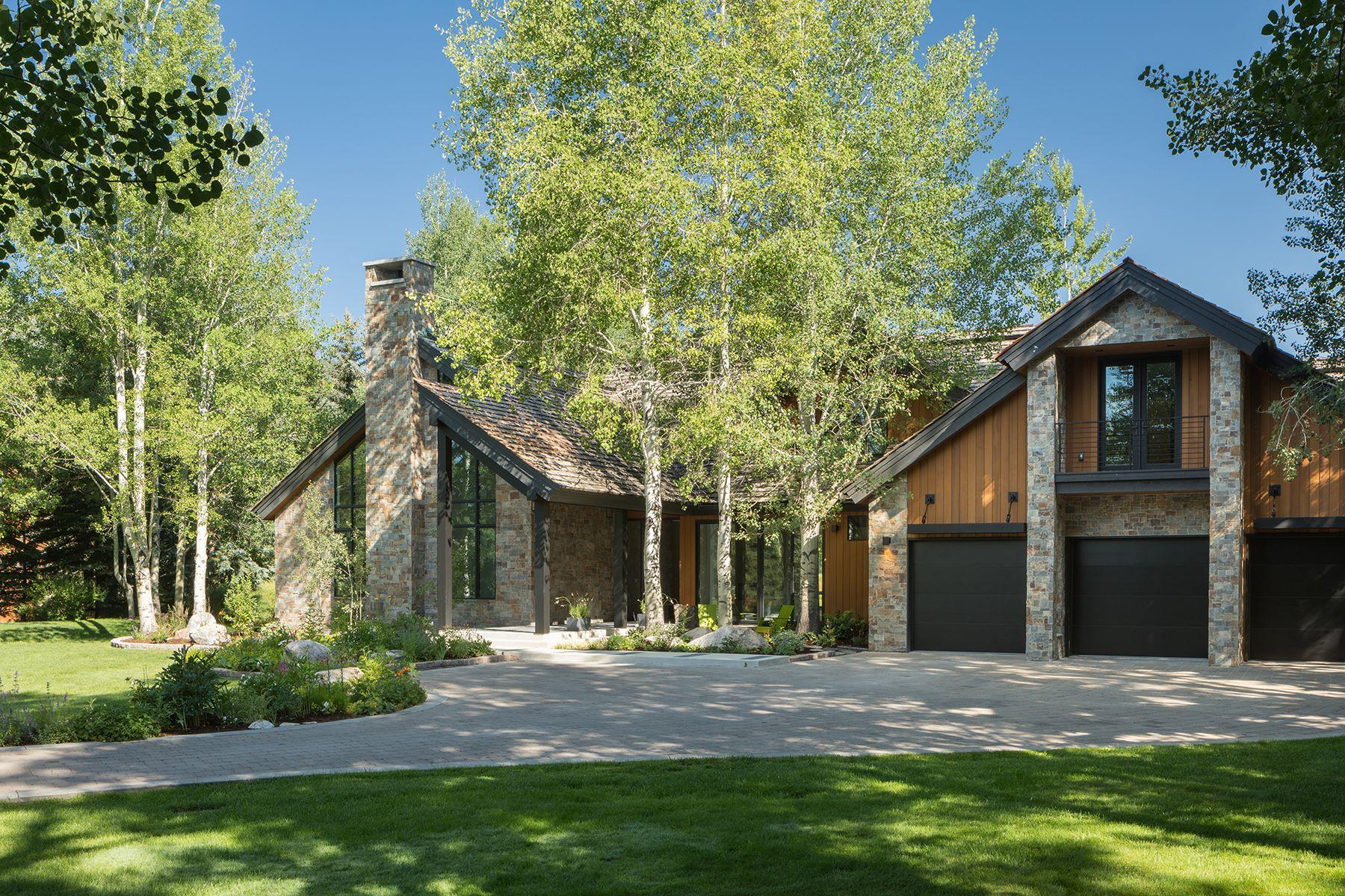 Single Family Homes pour l Vente à 2580 N Teton Pines Drive Wilson, Wyoming 83014 États-Unis