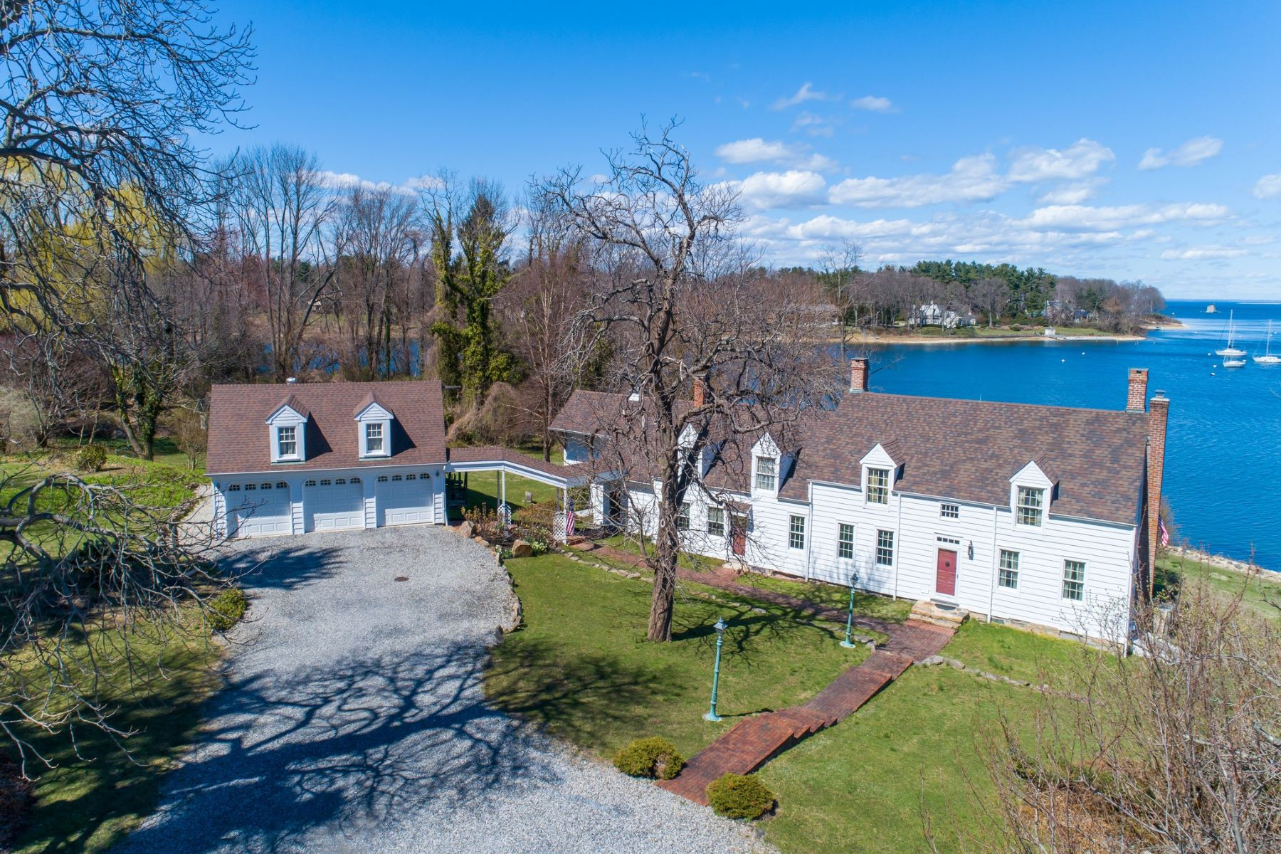 Single Family Homes for Sale at Lloyd Harbor 26 Van Wyck Ln Lloyd Harbor, New York 11743 United States