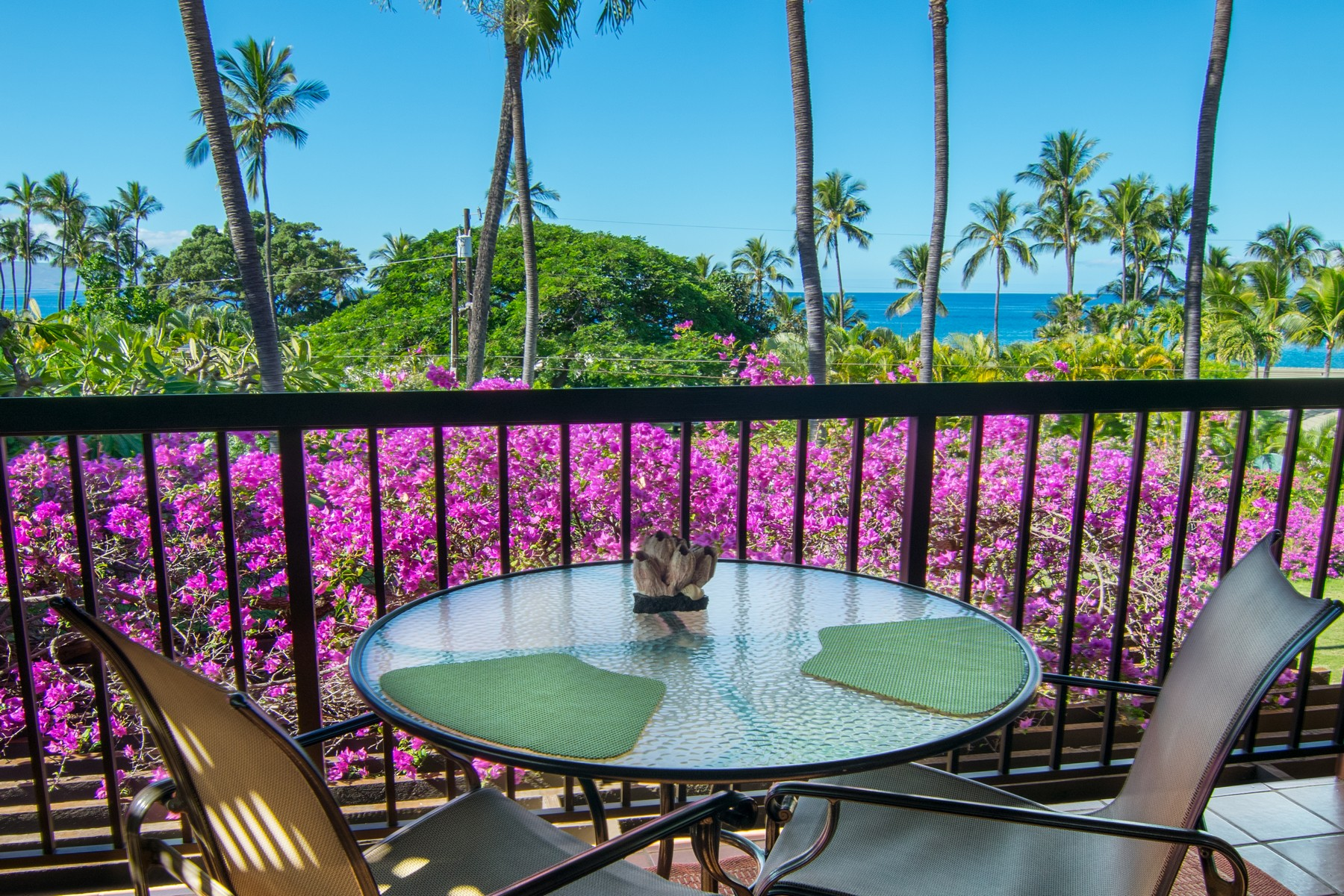 Apartamento para Venda às Just a Short Stroll to Keawekapu Beach 3300 Wailea Alanui Drive, Wailea Ekahi 21F Wailea, Havaí 96753 Estados Unidos