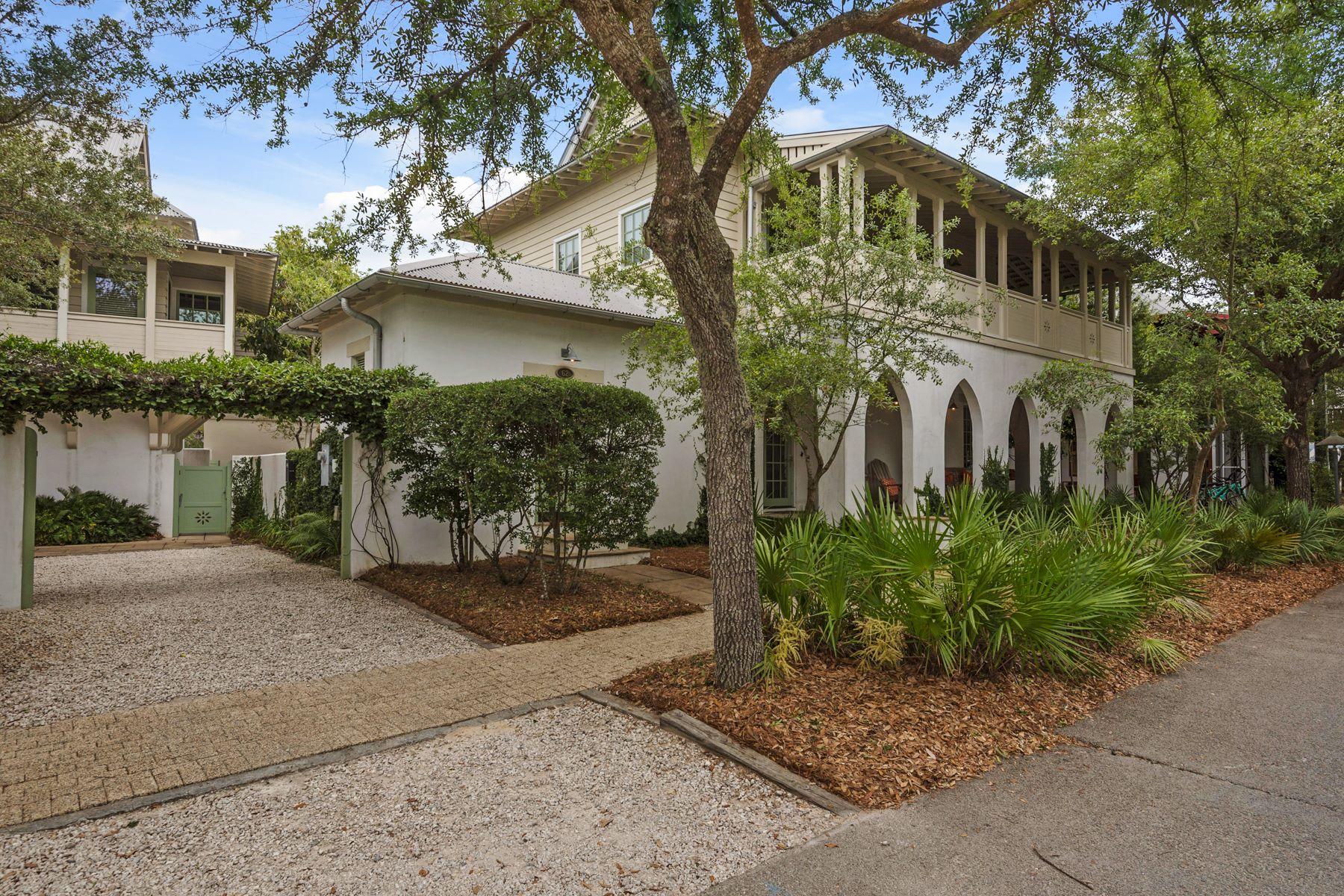Vivienda unifamiliar por un Venta en CHARMING HOME WITH SPACIOUS BALCONIES AND COURTYARD 62 Georgetown Avenue Rosemary Beach, Florida, 32461 Estados Unidos