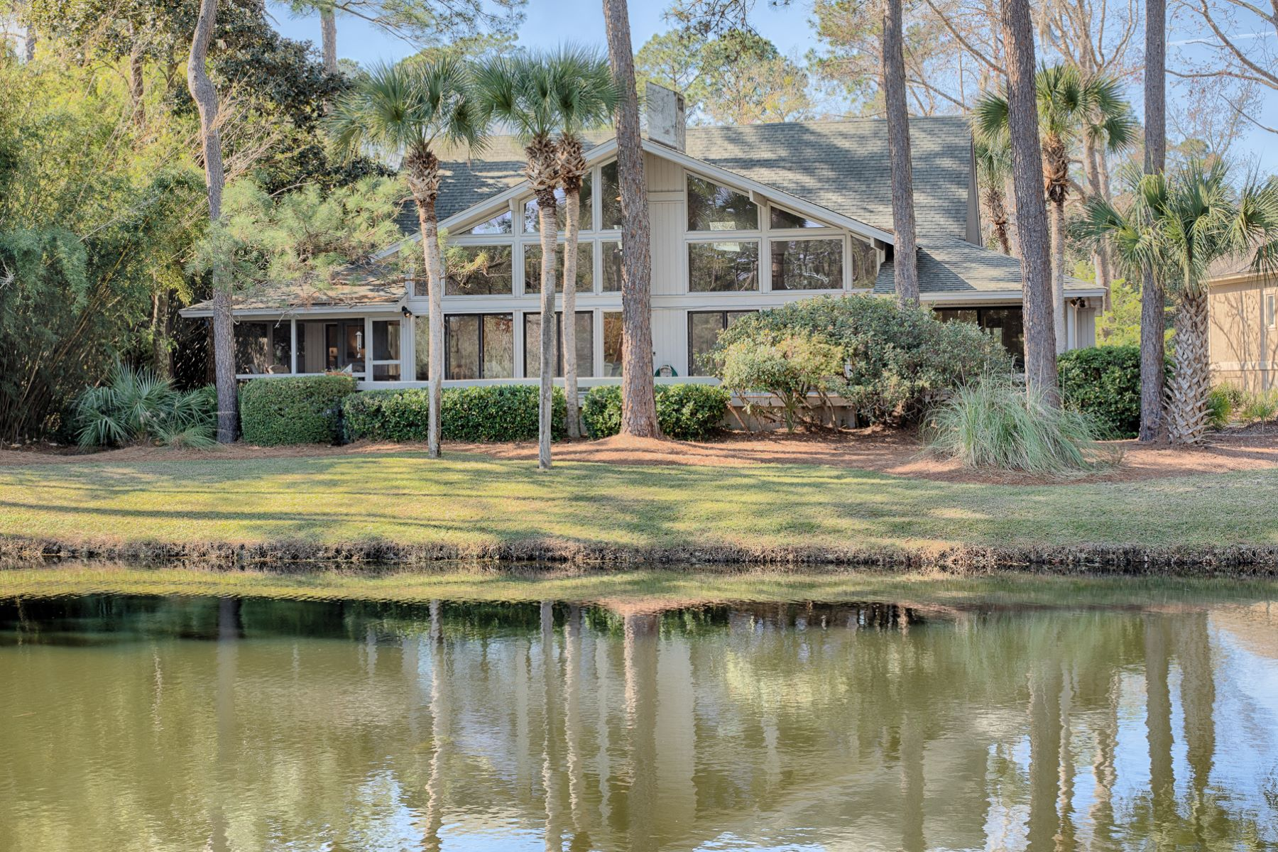 Single Family Homes for Active at 7 Long Brow Hilton Head Island, South Carolina 29928 United States