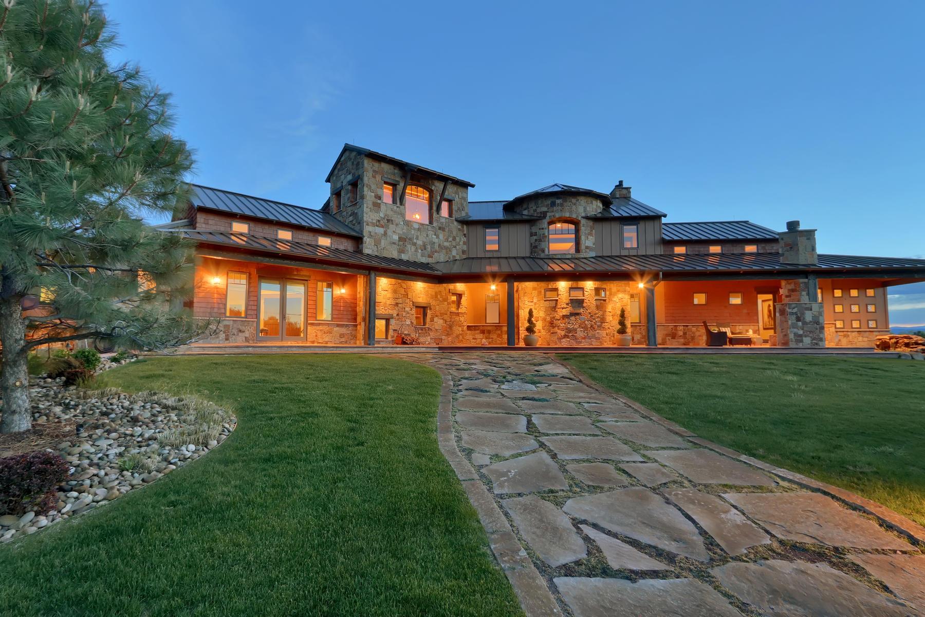 Single Family Homes por un Venta en Majestic Mountain Range Masterpiece 640 W Wolfensberger Rd, Castle Rock, Colorado 80109 Estados Unidos