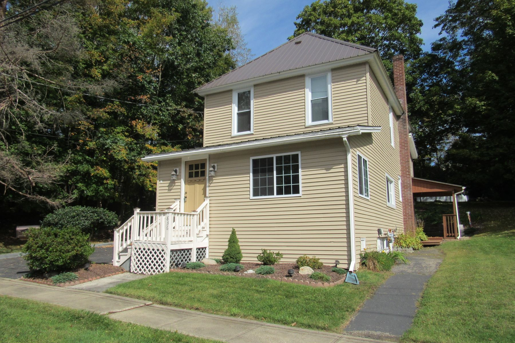Single Family Homes for Sale at Move In Ready Spacious Home 836 Glebe St Johnstown, New York 12095 United States