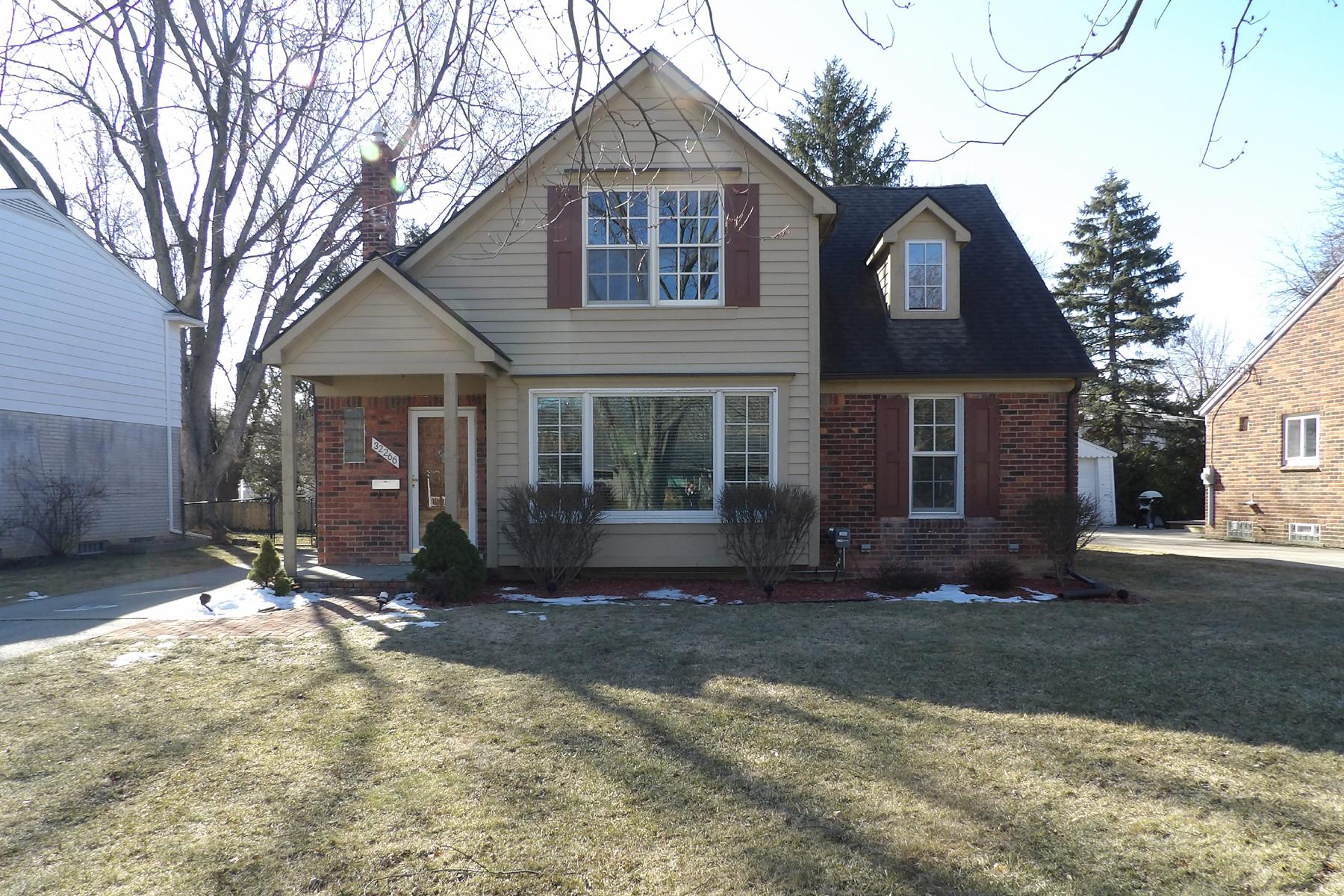 Частный односемейный дом для того Продажа на Beverly Hills Village 32266 Verona Circle, Franklin, Мичиган, 48025 Соединенные Штаты