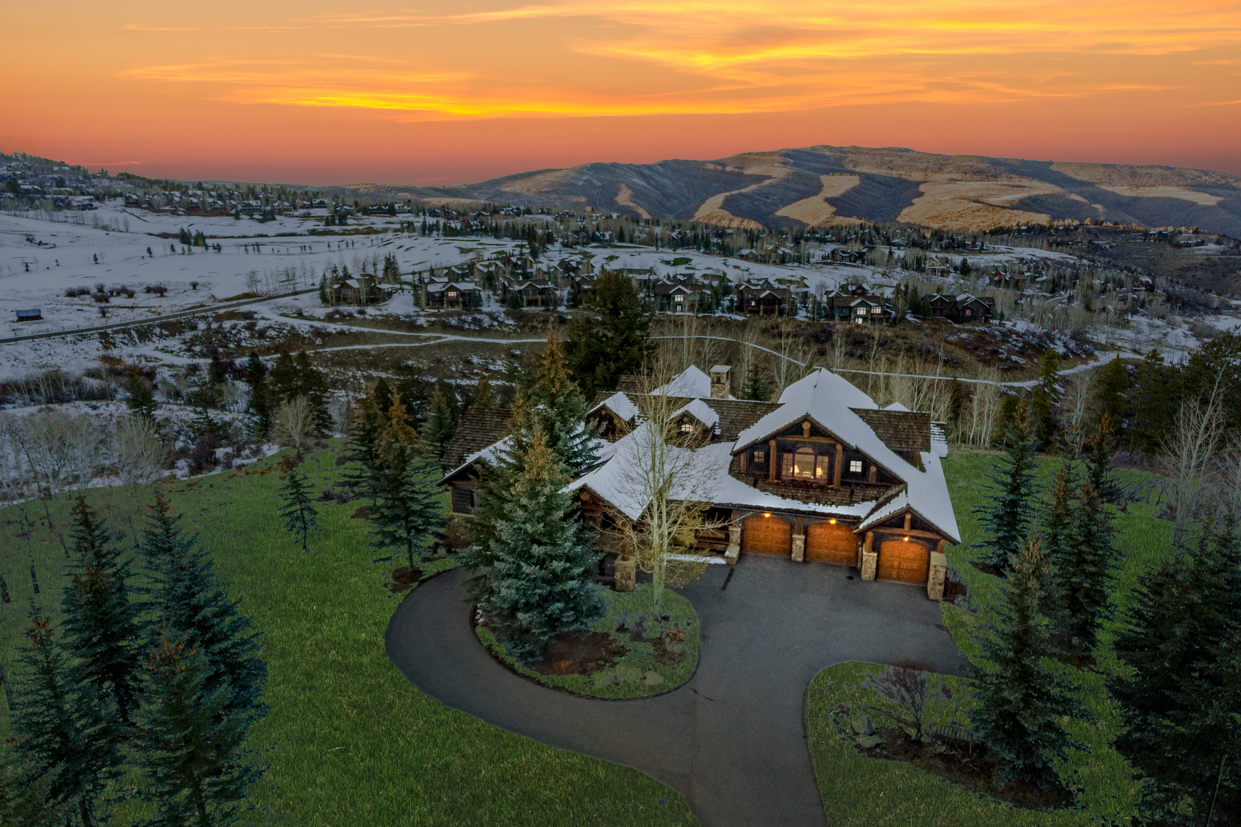 Single Family Home for Active at Welcome home to the perfect balance of timeless luxury and classic comfort 105 Bear Cat Point Edwards, Colorado 81632 United States