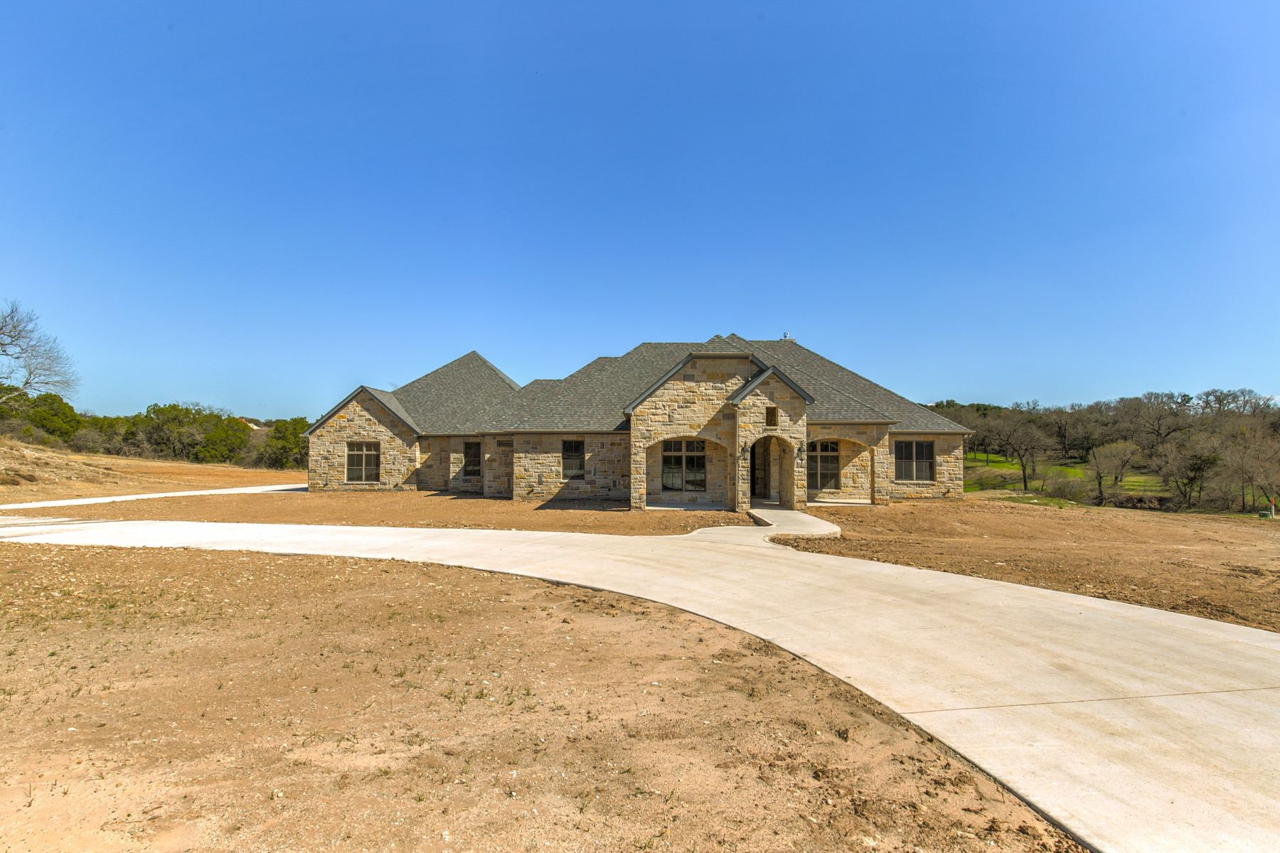 Single Family Homes for Active at 2407 Cactus Rio Lane Weatherford, Texas 76087 United States