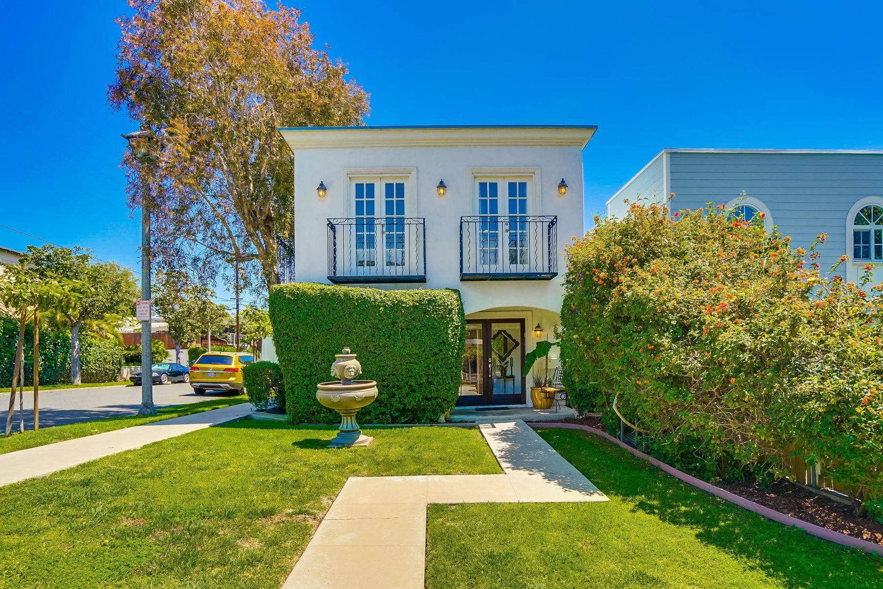 Single Family Homes for Active at 398 Ultimo Ave Long Beach, California 90814 United States