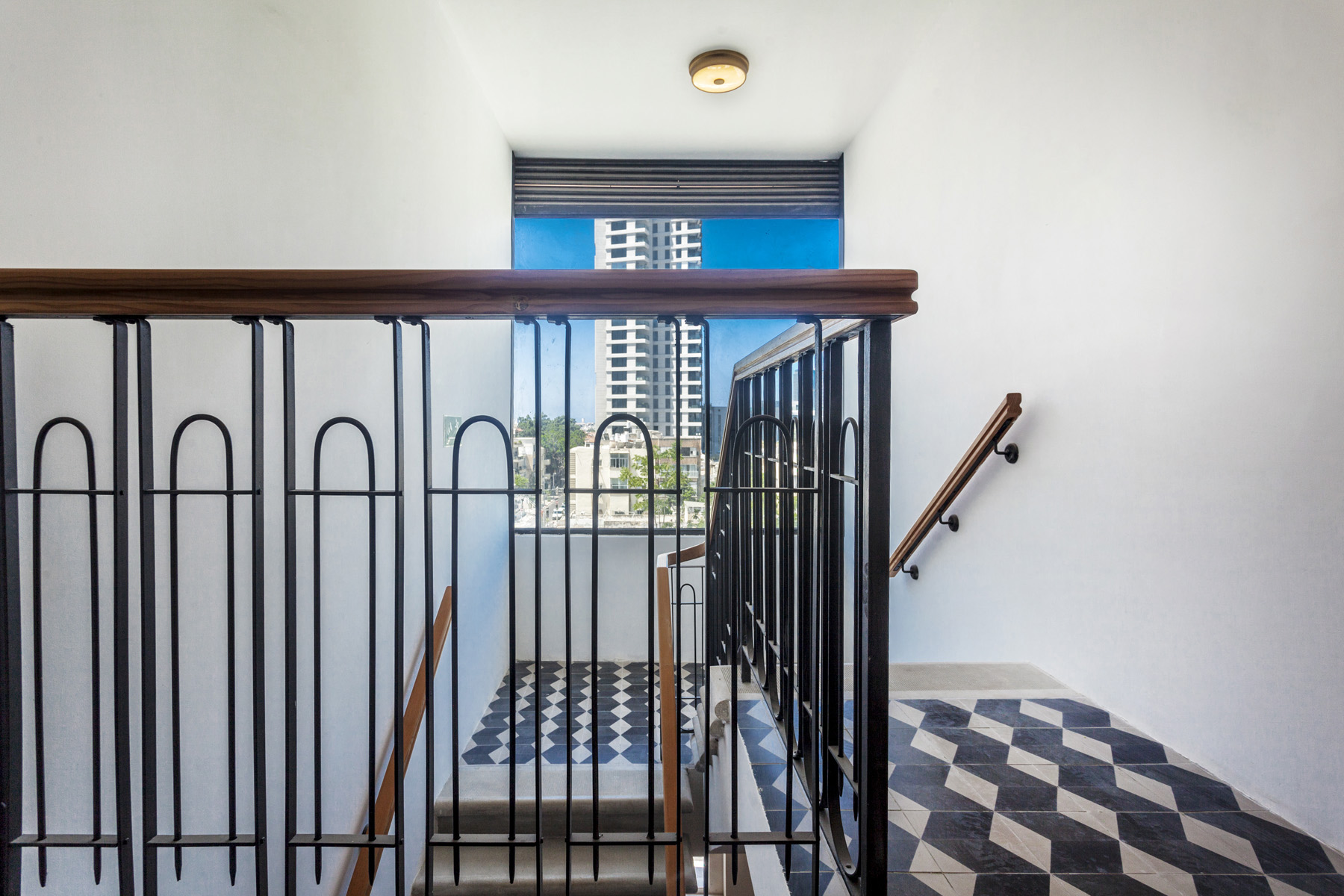 Additional photo for property listing at Inspiring Modern Penthouse in a Restored Eclectic Style Building 特拉维夫, 以色列 以色列