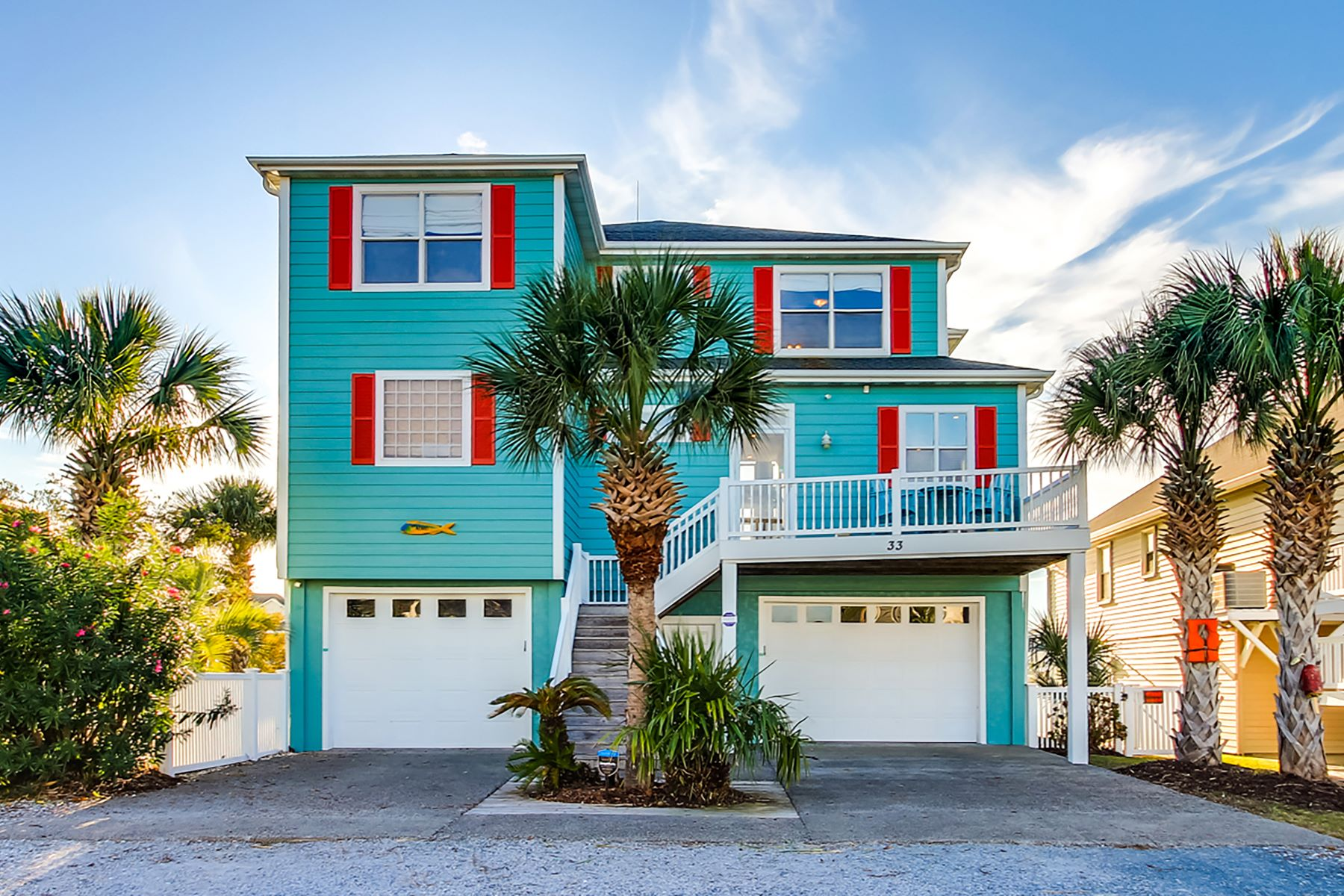 Single Family Homes for Active at The Perfect Oasis Surrounded by Water 33 Wilmington Street Ocean Isle Beach, North Carolina 28469 United States