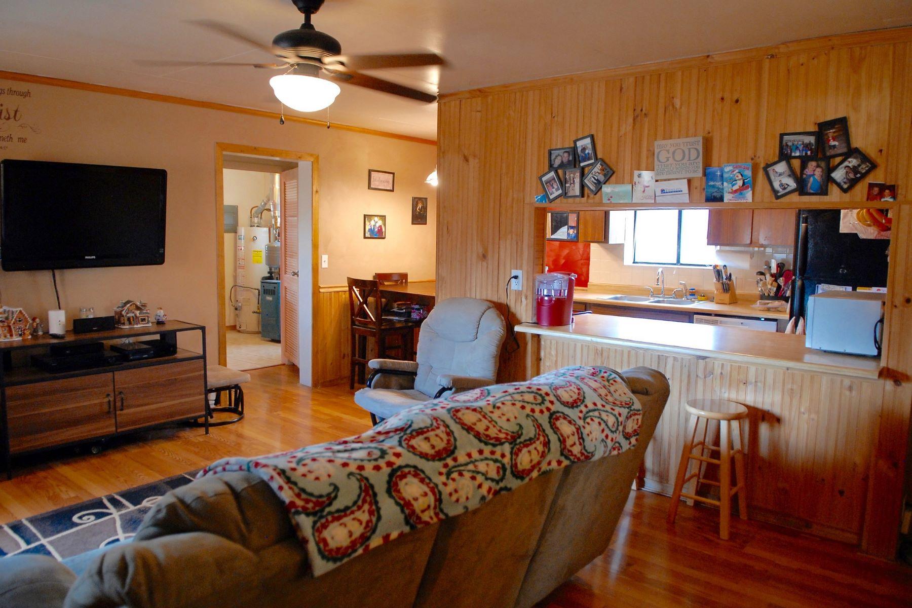 단독 가정 주택 용 매매 에 Easy Living in Meeker 870 Water Street, Meeker, 콜로라도, 81641 미국