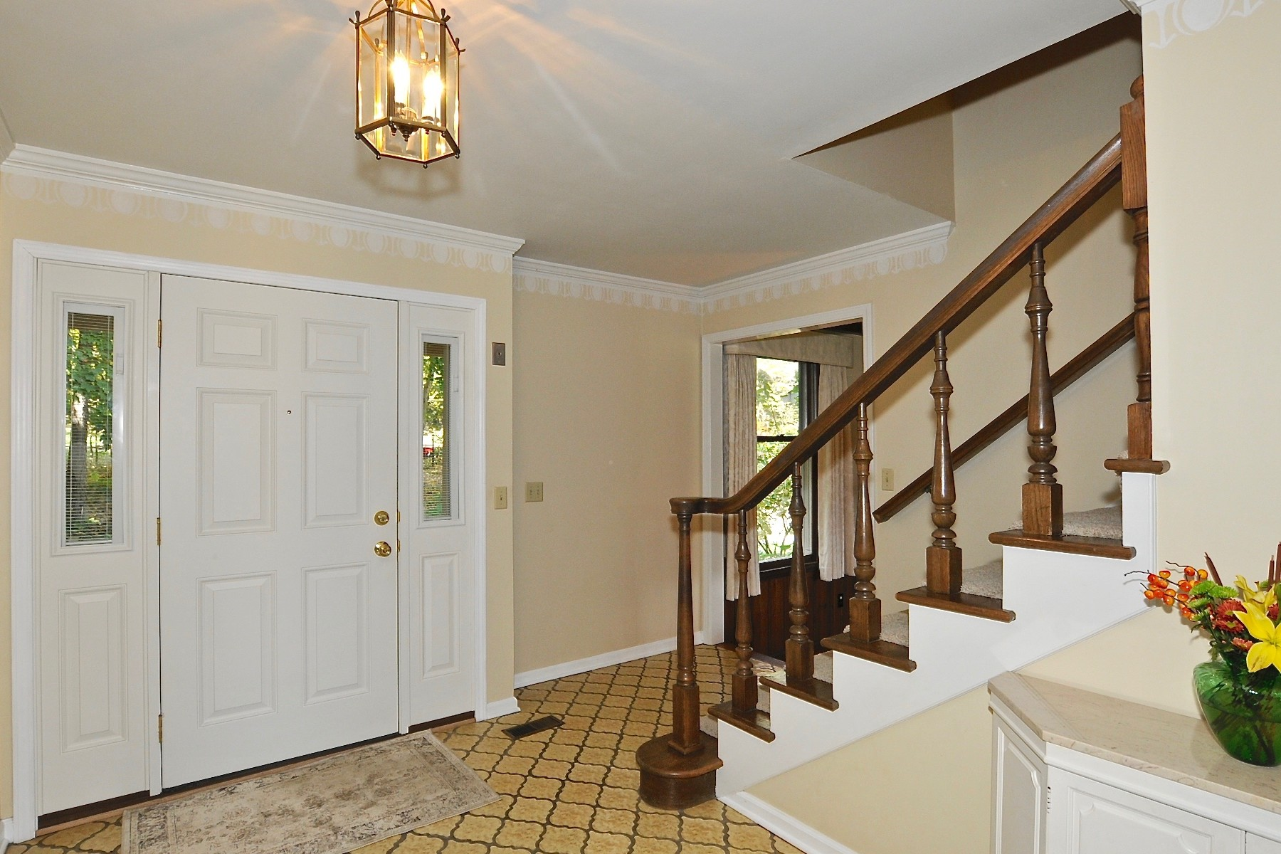 Additional photo for property listing at Beautiful All Brick Colonial Style Home 8549 Silver Ridge Court Indianapolis, Indiana 46278 États-Unis