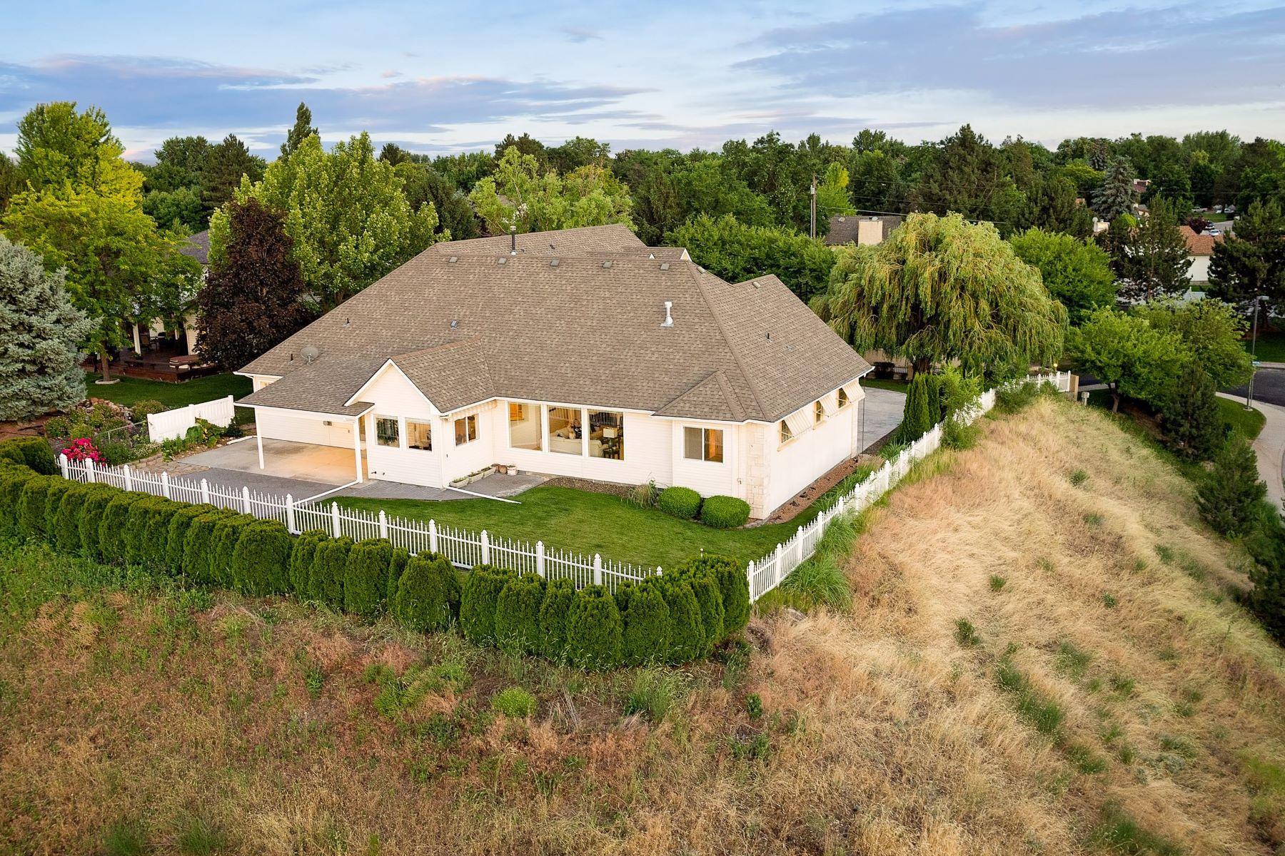 Casa Unifamiliar por un Venta en 9696 Canyon Ridge, Boise 9696 W Canyon Ridge, Boise, Idaho, 83704 Estados Unidos