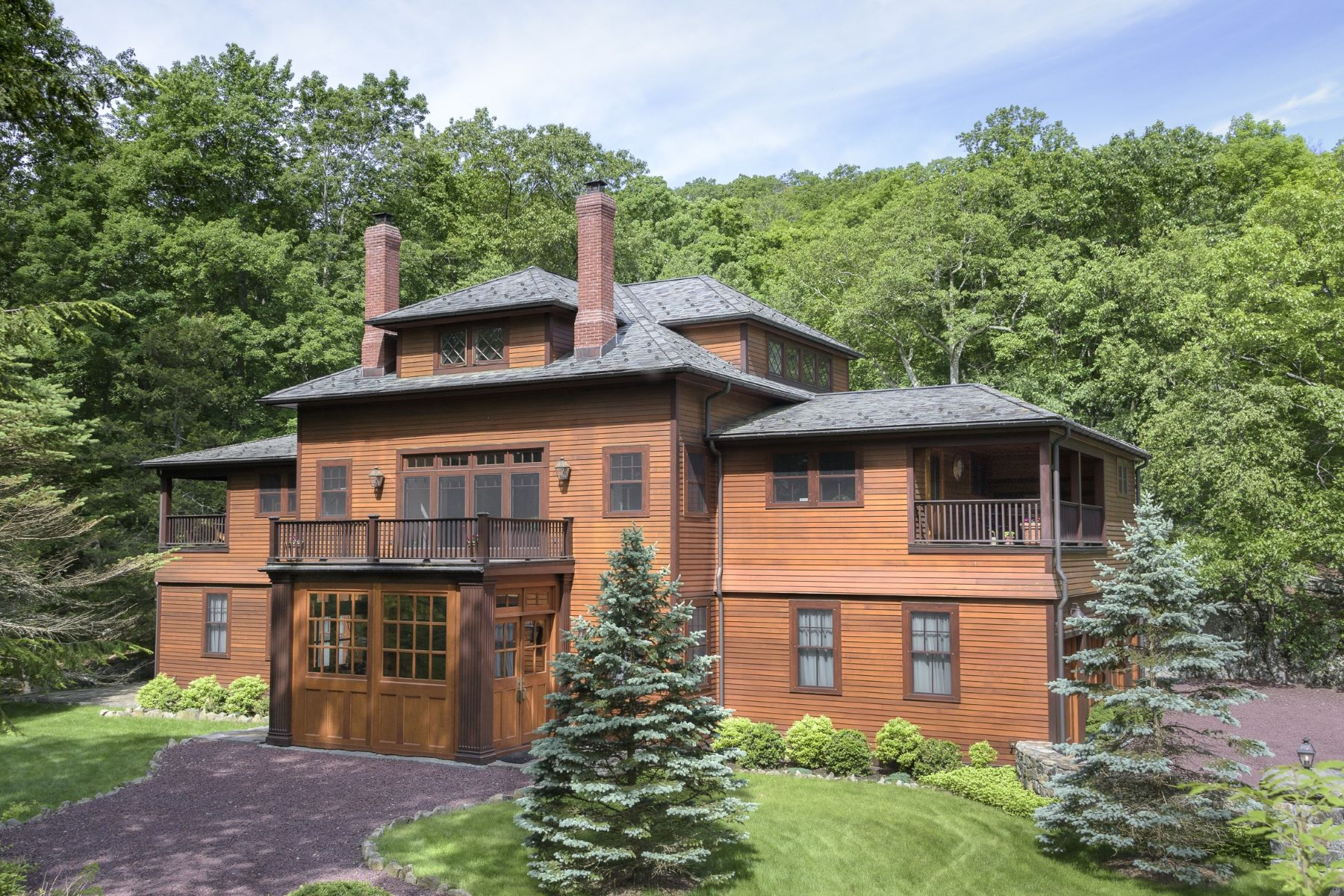Casa Unifamiliar por un Venta en Patterson Brook Carriage House 18 Patterson Brook Rd Tuxedo Park, Nueva York, 10987 Estados Unidos