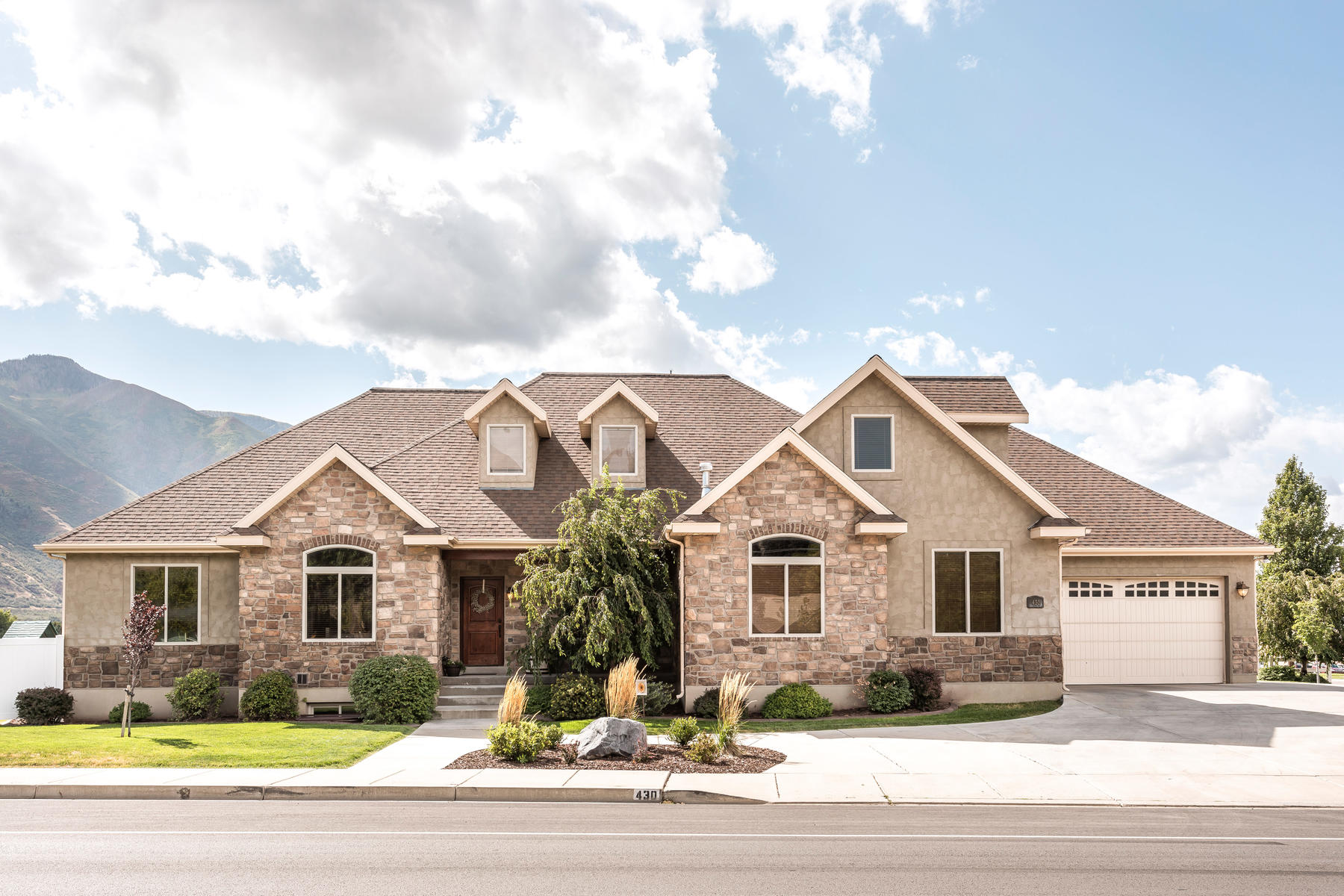 Single Family Homes for Active at Beautiful Six Bedroom Home in Northeast Mapleton 430 East 1200 North Mapleton, Utah 84664 United States