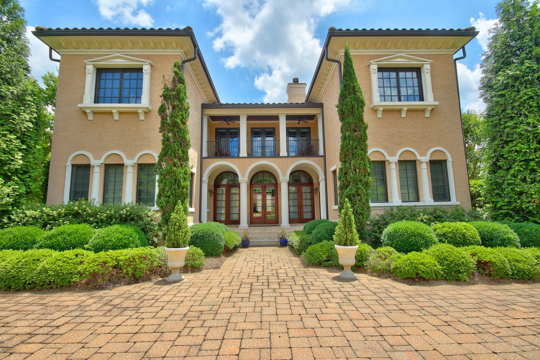 Single Family Home for Sale at Sophisticated Italianate Villa 9 Portofino Place Durham, North Carolina 27707 United StatesIn/Around: Raleigh, Cary, Chapel Hill