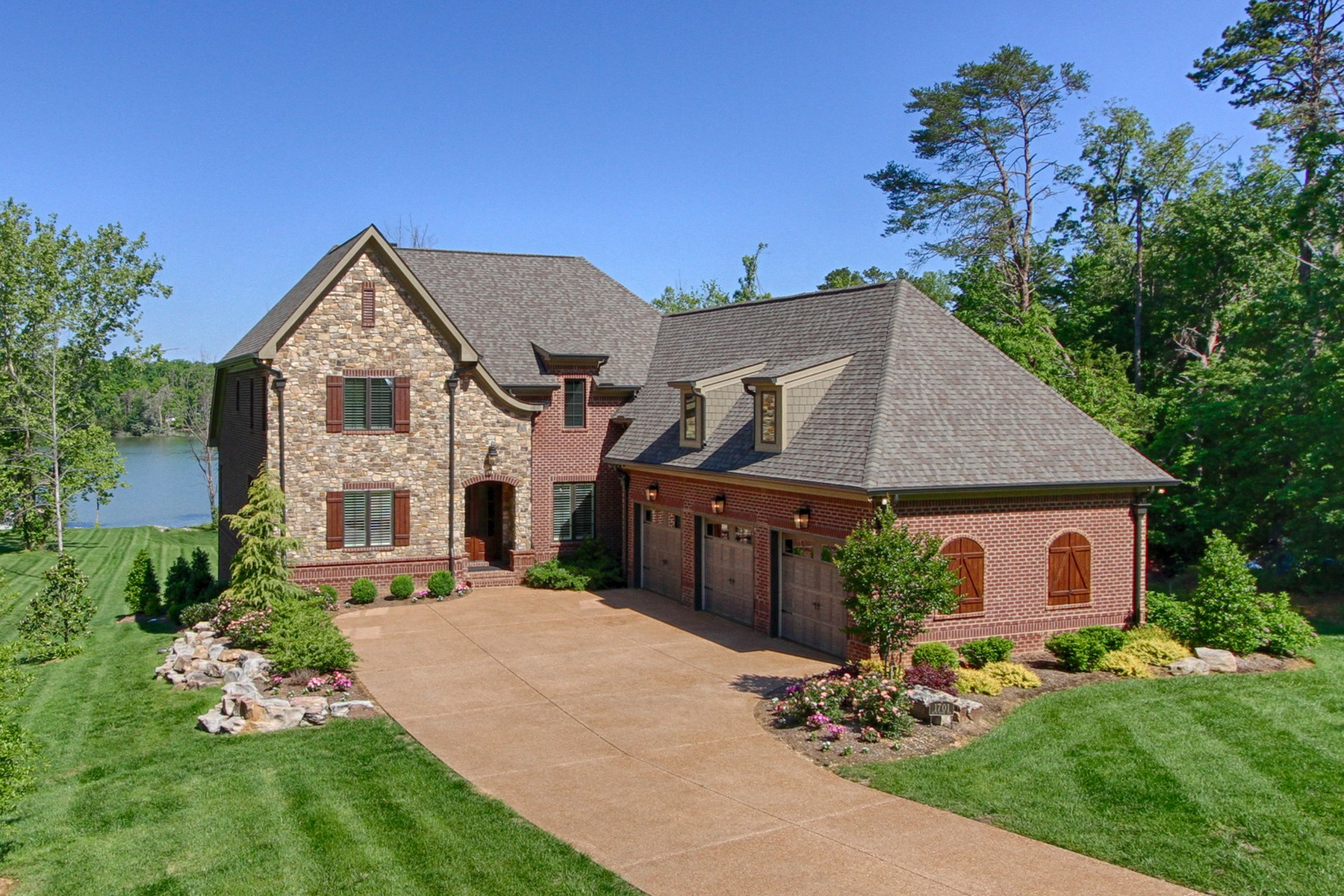 Single Family Home for Sale at Private Lakefront Estate In Gated Community 1701 Blue Water Way Knoxville, Tennessee 37922 United States