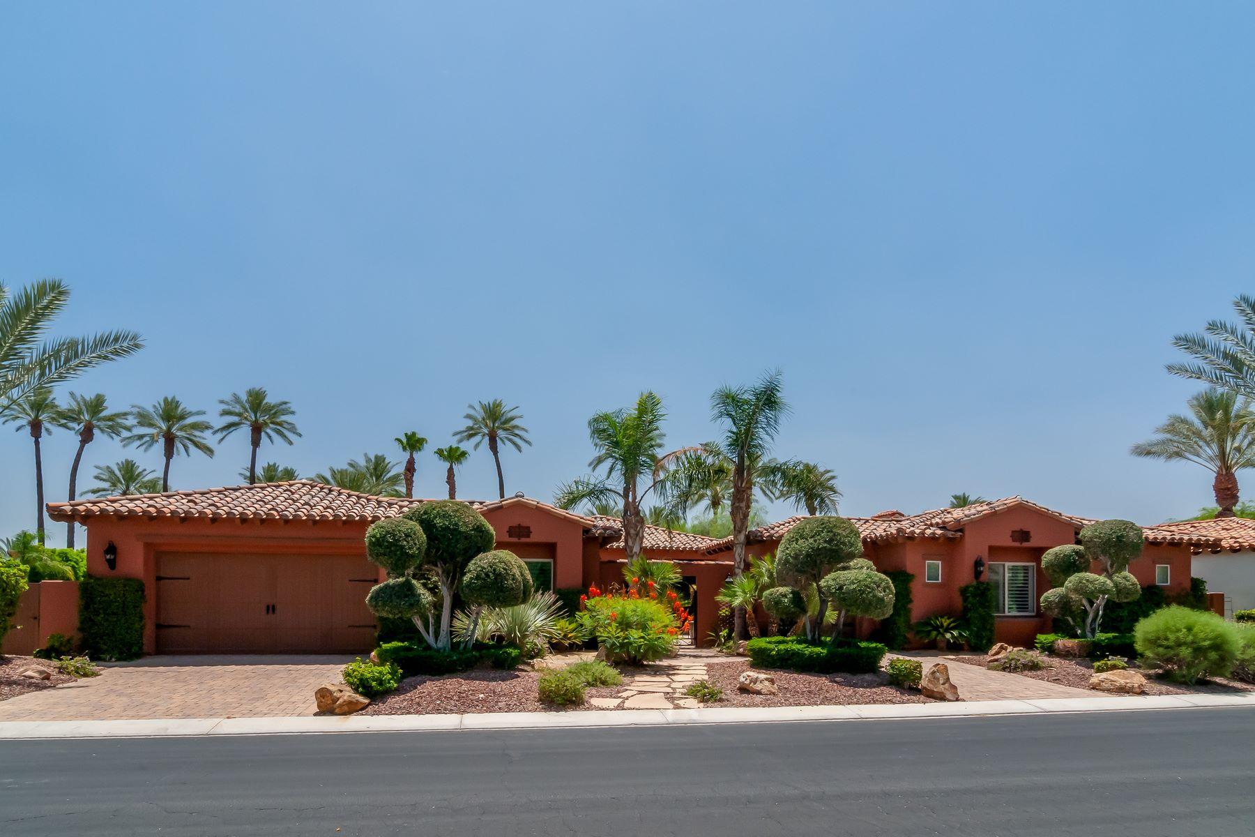Single Family Homes para Venda às 56048 Palms Drive La Quinta, Califórnia 92253 Estados Unidos