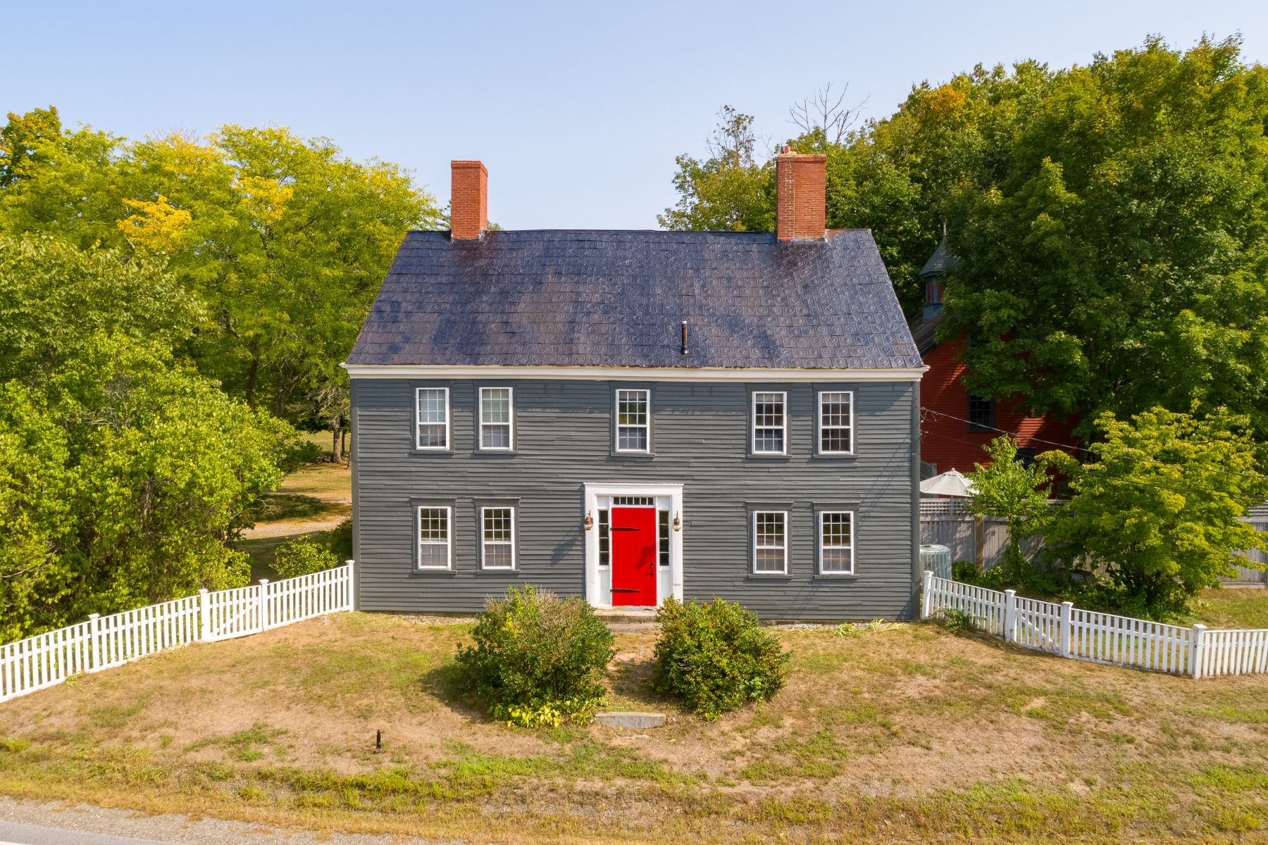 Single Family Homes for Active at 2 Mast Road Lee, New Hampshire 03861 United States