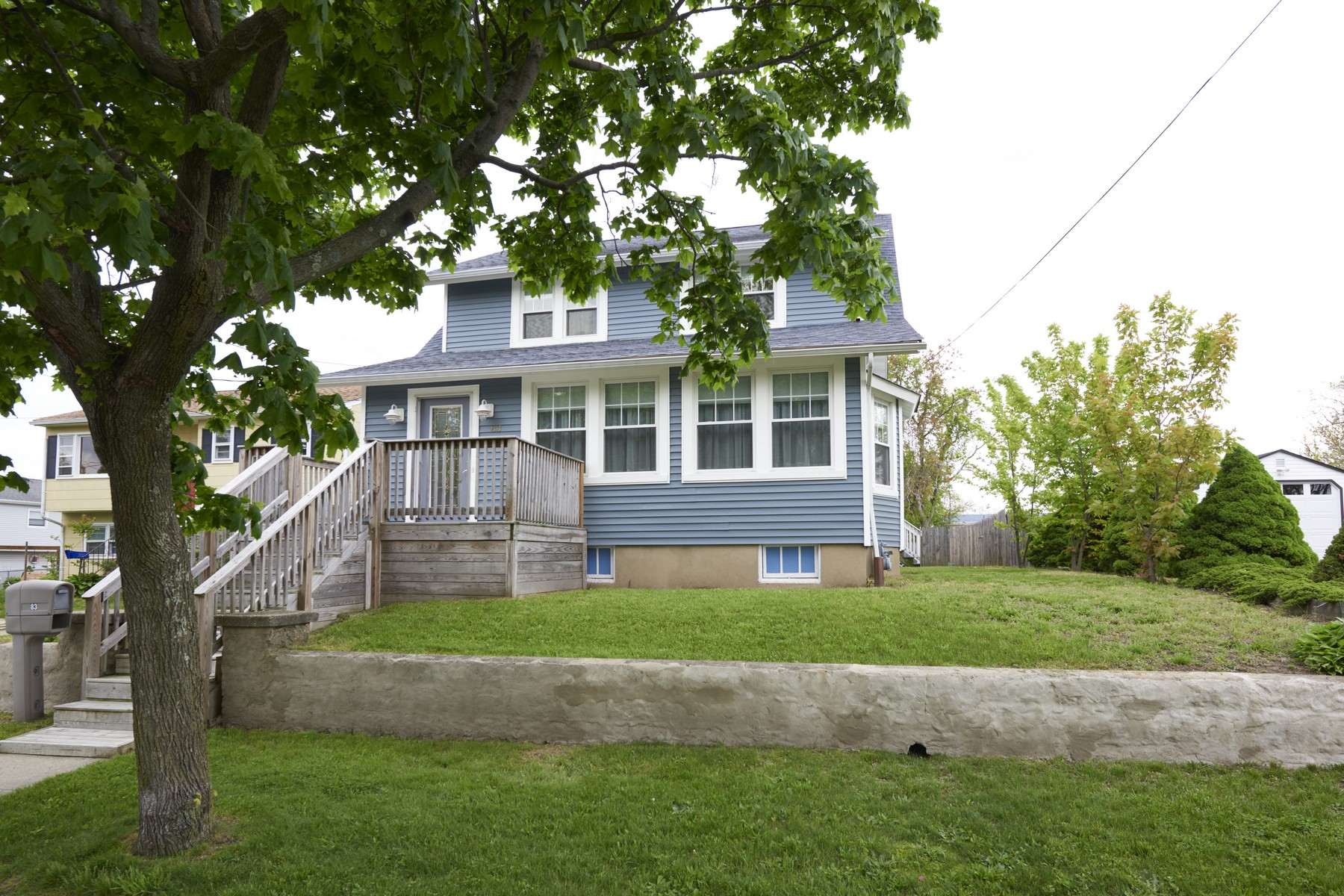 Single Family Homes for Sale at 83 Burlington Ave, Leonardo 83 Burlington Ave. Leonardo, New Jersey 07737 United States