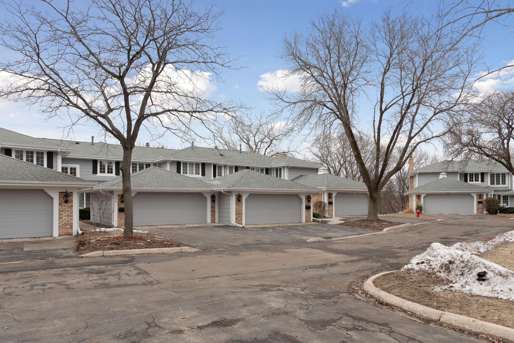 townhouses for Sale at 8022 Pennsylvania Road Bloomington, Minnesota 55438 United States