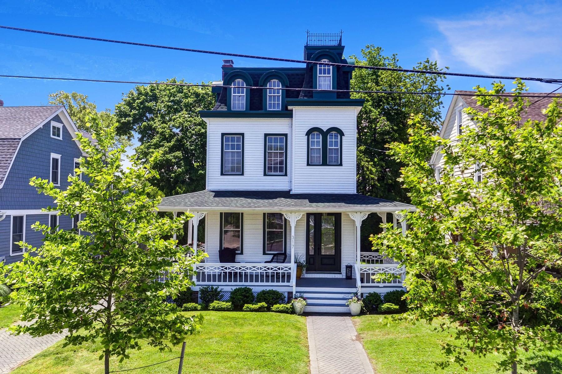 Casa Unifamiliar por un Venta en Spring Lake Victorian 317 Jersey Ave Spring Lake, Nueva Jersey 07762 Estados Unidos