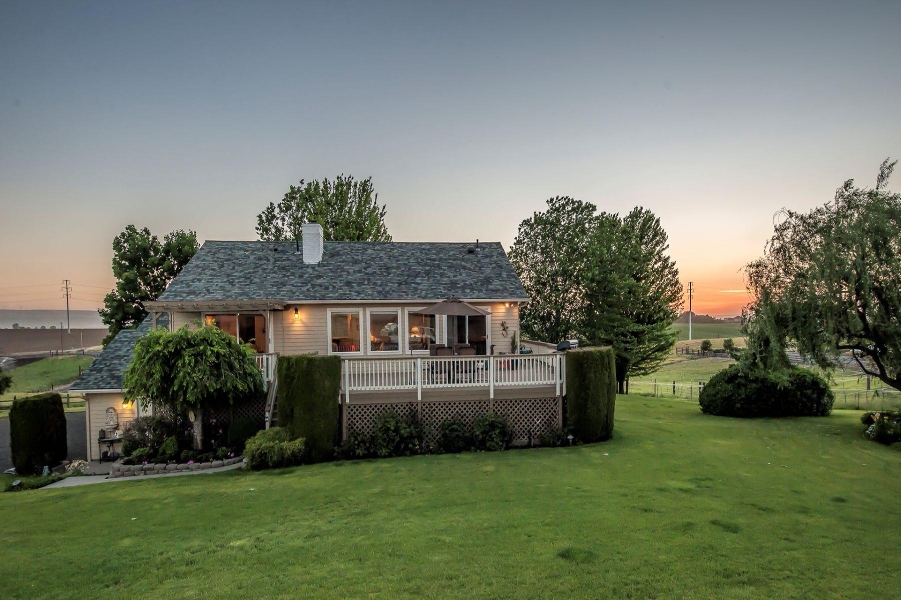 Single Family Homes for Sale at 288 Meadowlark Lane Touchet, Washington 99360 United States