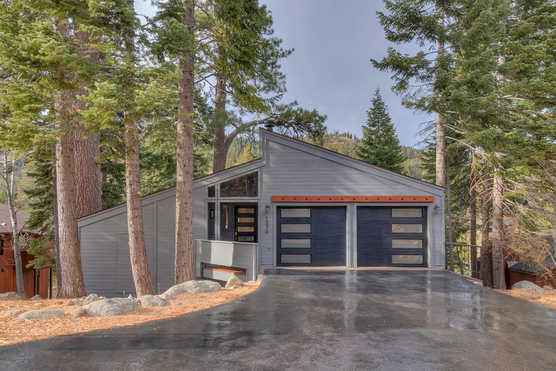 Single Family Home for Active at 1370 Pine Trail, Alpine Meadows, CA 1370 Pine Trail Alpine Meadows, California 96146 United States