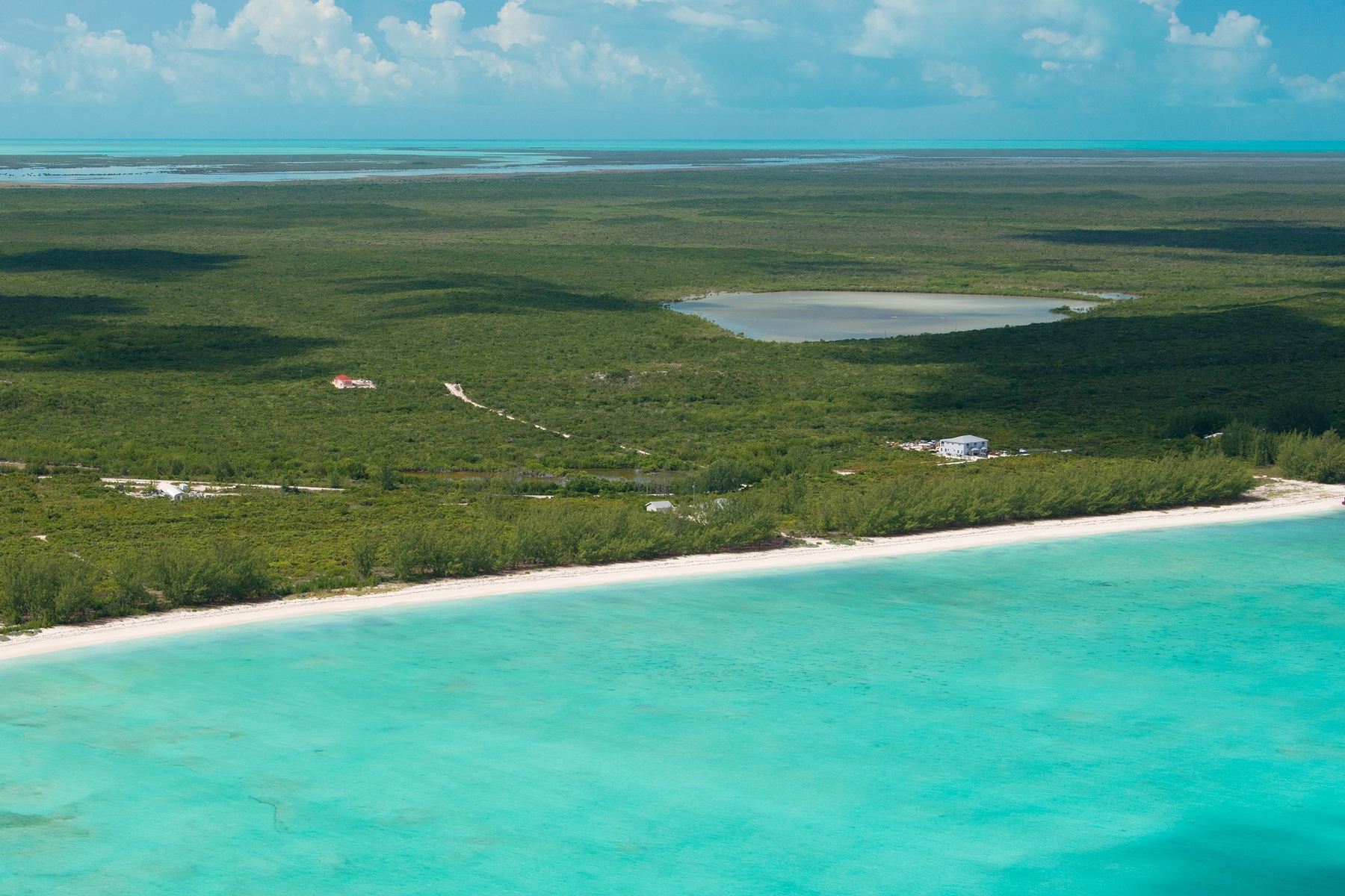 Additional photo for property listing at Middle Caicos Undeveloped Land 班巴拉地果, 中凯科斯 特克斯和凯科斯群岛