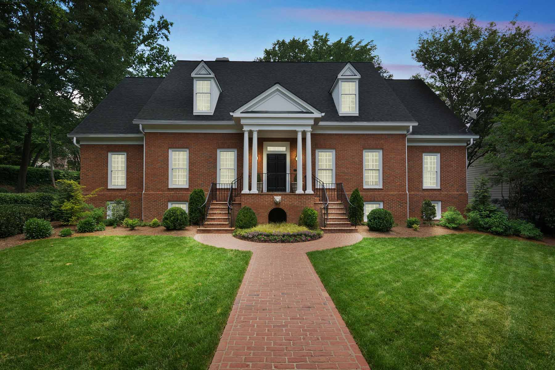 단독 가정 주택 용 매매 에 Exceptional Vinings Masterpiece 4345 Brookview Drive SE Vinings, Atlanta, 조지아, 30339 미국