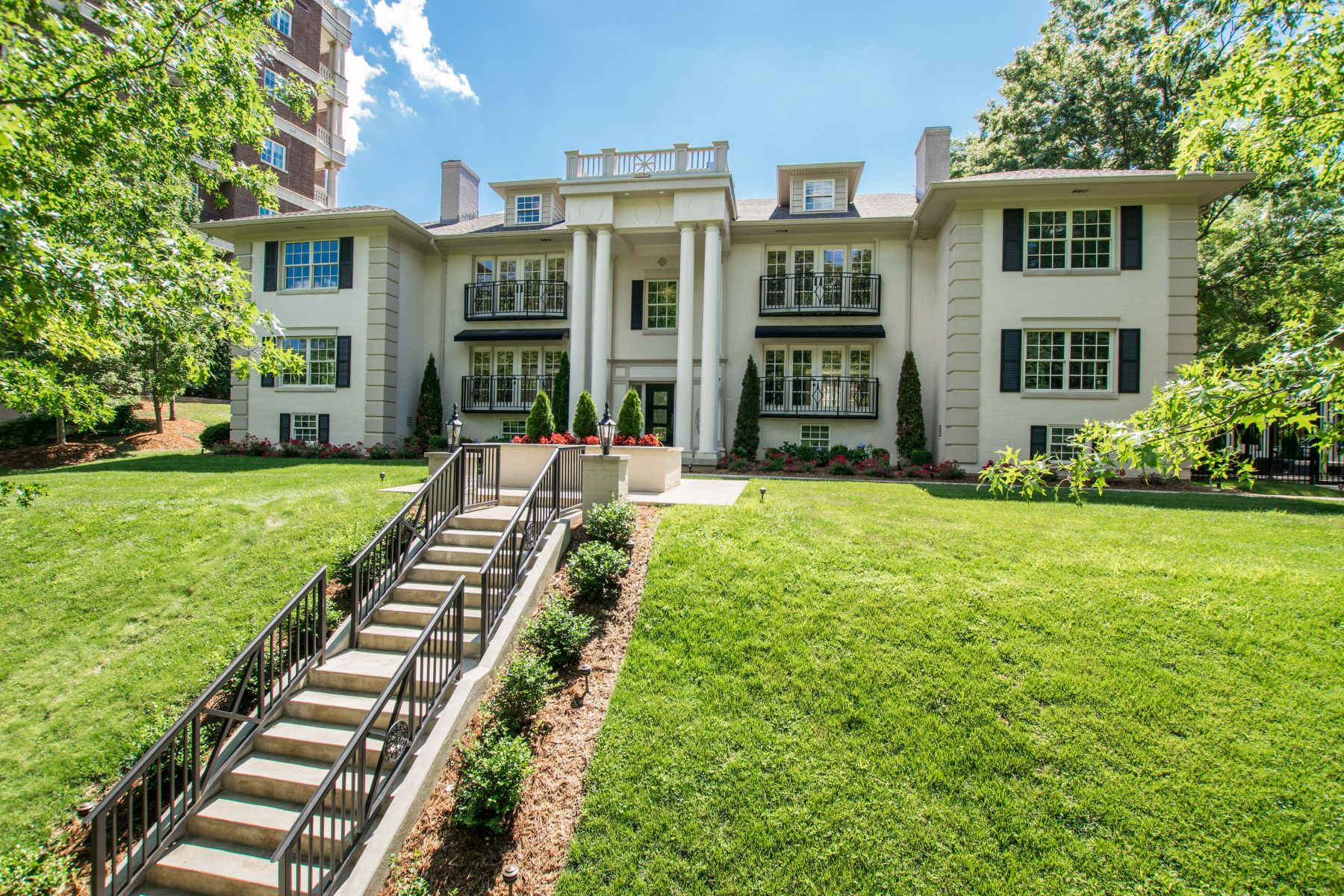 Condominium for Sale at 1600 Cherokee Road Unit 3 Louisville, Kentucky 40205 United States