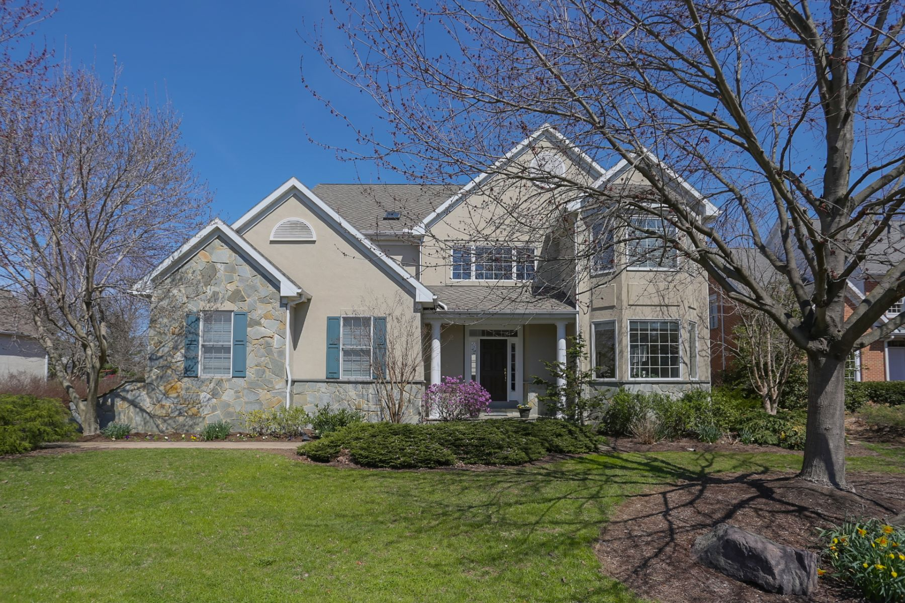 Single Family Home for Sale at 821 Woodfield Drive Lititz, Pennsylvania 17543 United States