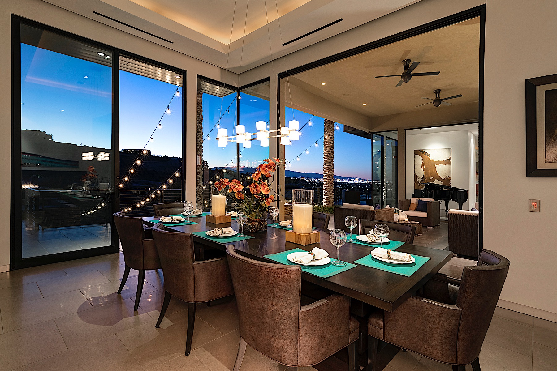 Additional photo for property listing at Modern Panorama Estate in Double Guard Gated Macdonald Highlands 591 Lairmont Place Henderson, Nevada 89012 United States