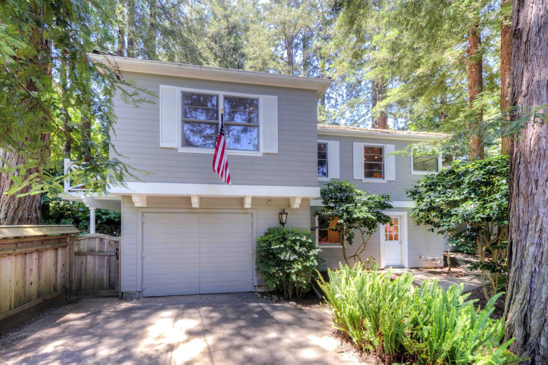 Single Family Home for Sale at Endearing Vintage Home - Minutes to Downtown Larkspur 11 Ardmore Road Larkspur, California, 94939 United States