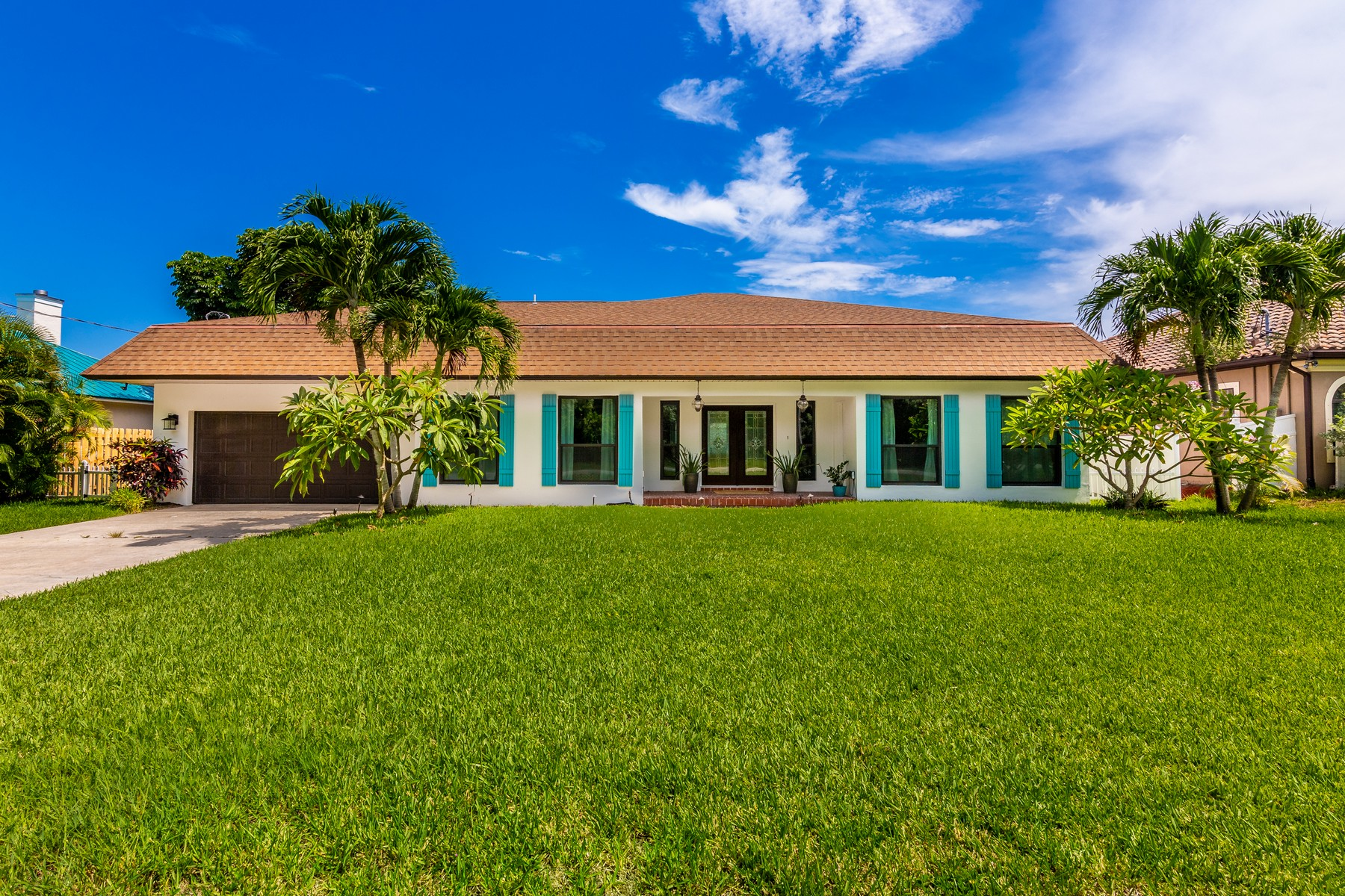 Single Family Homes for Sale at Sunnyland Beach 256 Beverly Court Melbourne Beach, Florida 32951 United States