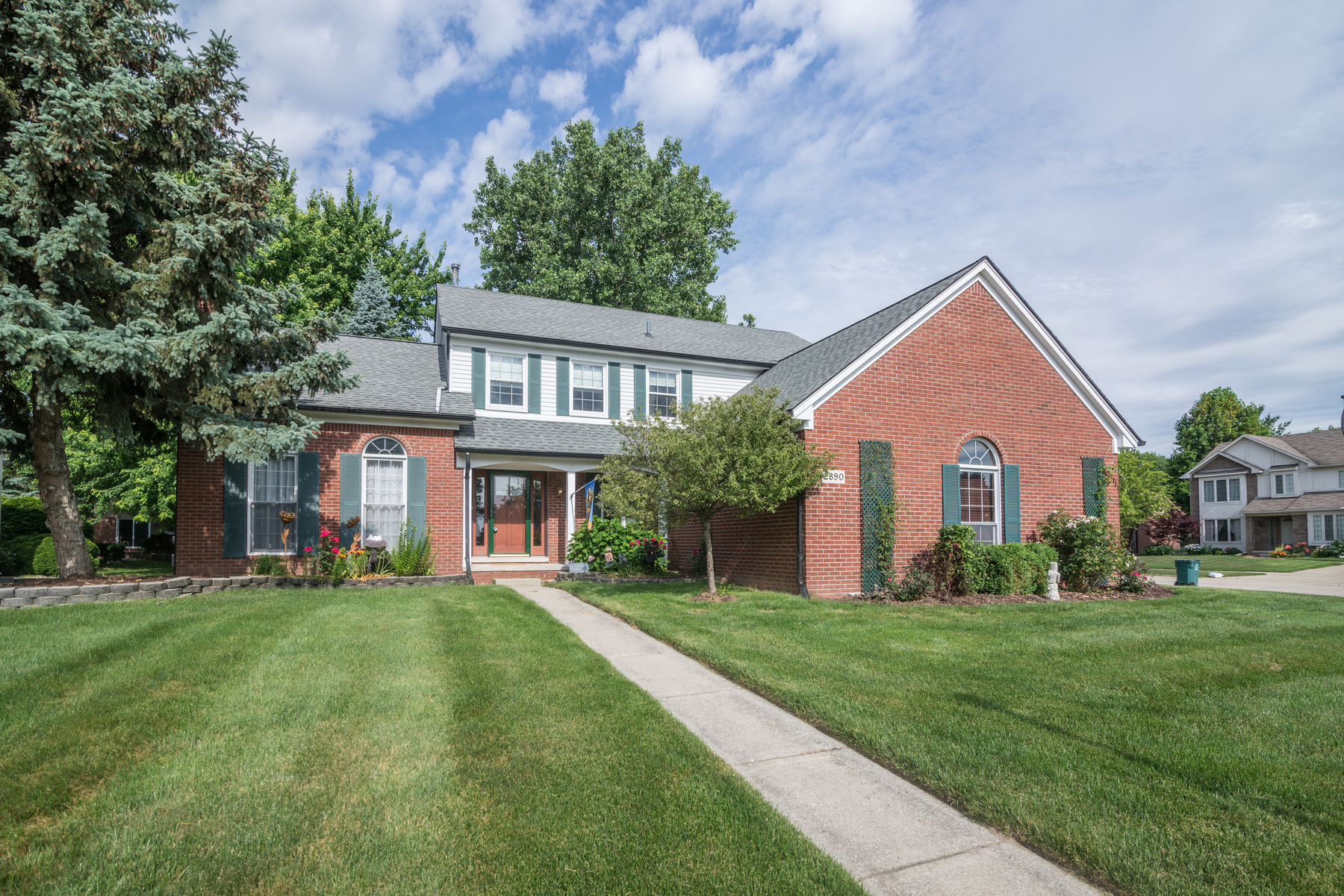 Single Family Homes for Active at Troy 2890 Chippewa Court Troy, Michigan 48085 United States