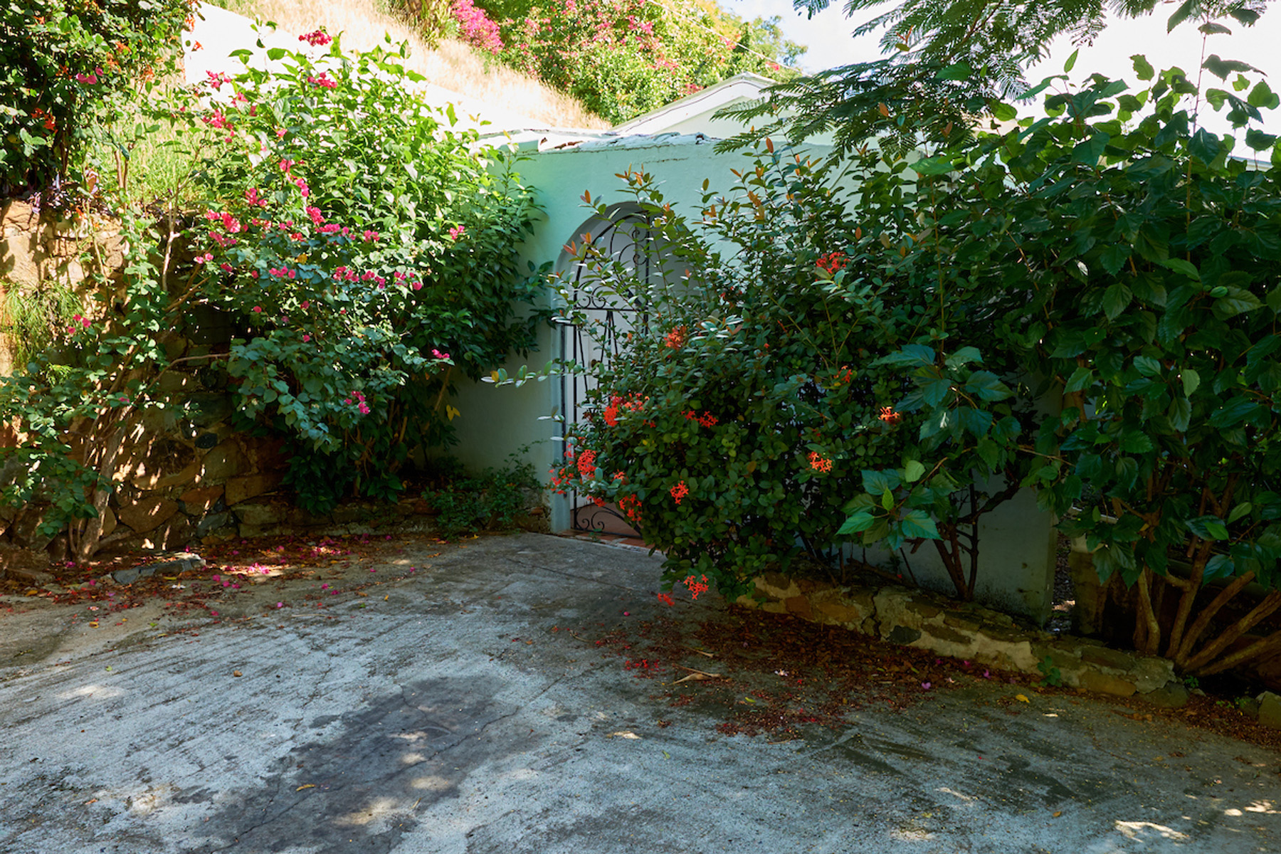 Additional photo for property listing at Smitty's Retreat Havers, Tortola British Virgin Islands