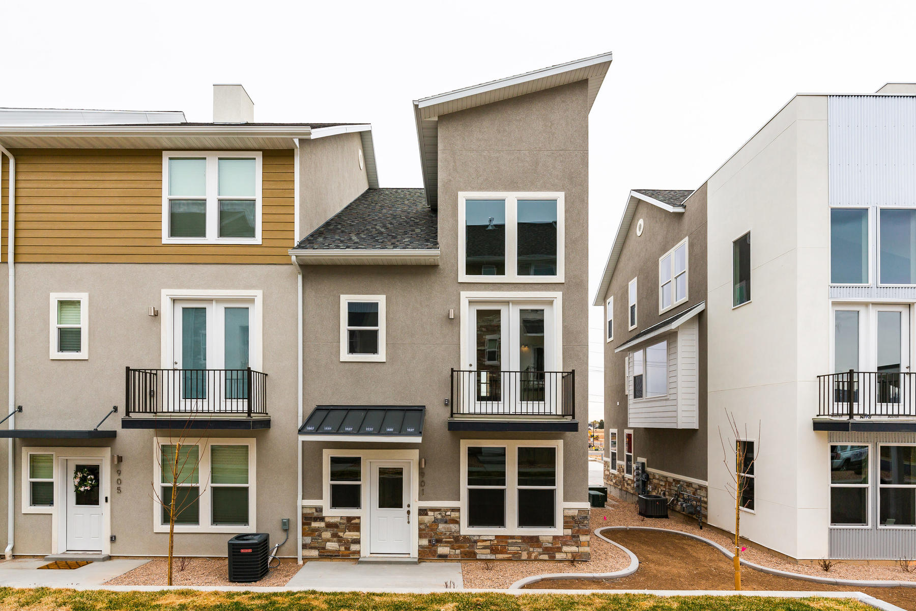 townhouses 용 매매 에 Tribeca Model in the New Phase at The Ridge at Spanish Fork 901 South 2560 East #16 Spanish Fork, 유타 84660 미국