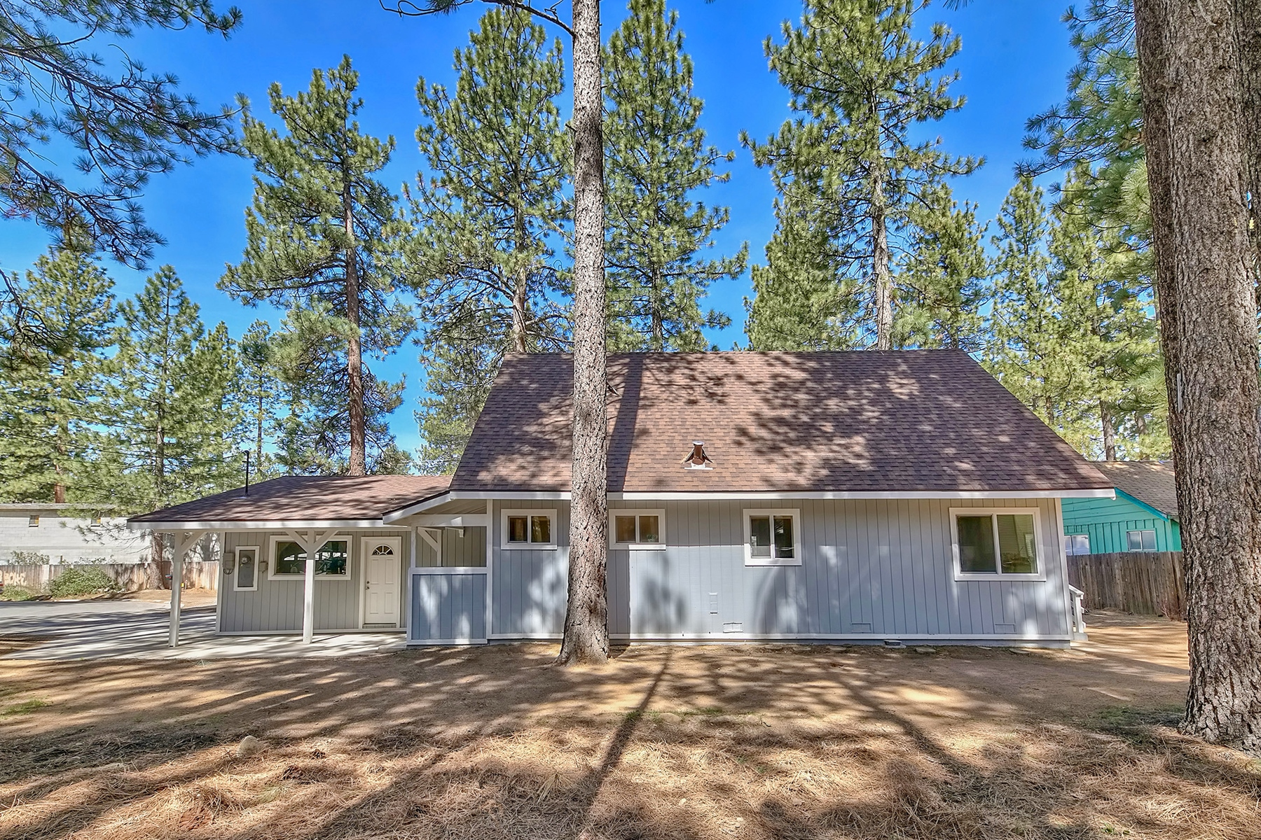 Additional photo for property listing at 3681 Primrose Road, South Lake Tahoe CA 96150 3681 Primrose Road South Lake Tahoe, California 96150 United States