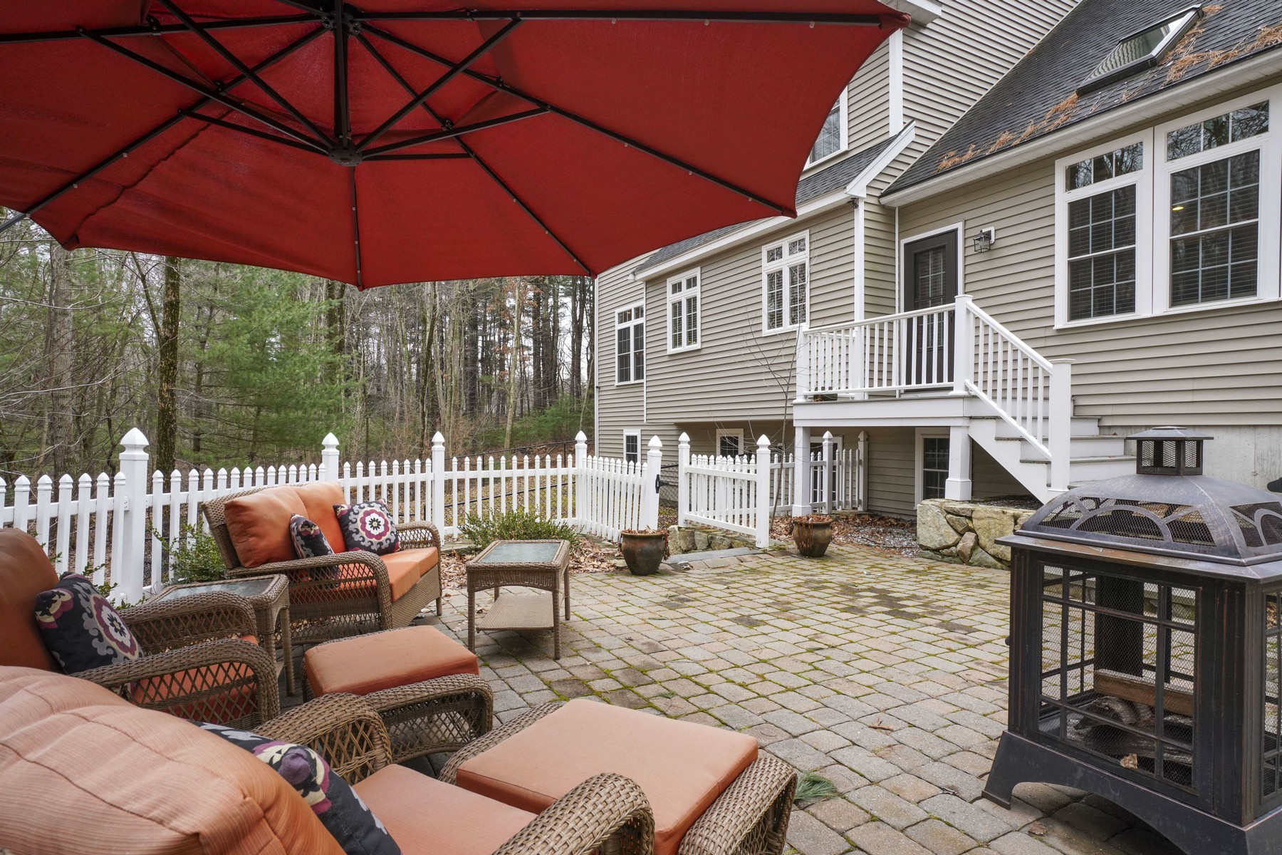Additional photo for property listing at Exceptional Young Colonial 170 Woodland Road Southborough, Massachusetts 01772 United States