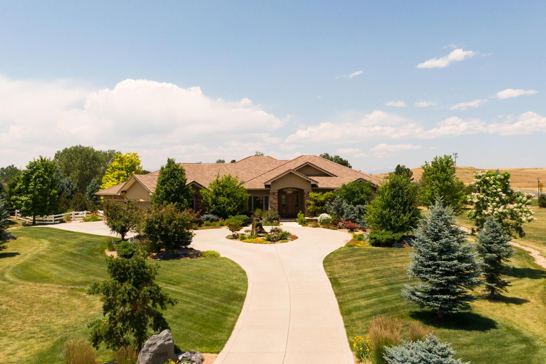 Single Family Homes для того Продажа на This Home Has It All 2980 High Prairie Way, Broomfield, Колорадо 80023 Соединенные Штаты