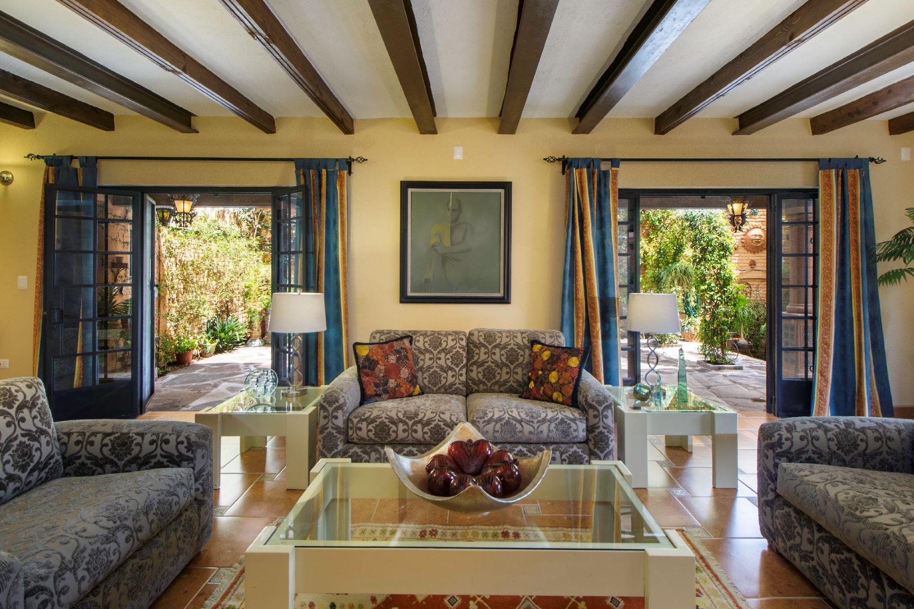 Single Family Homes for Sale at Dos Casas Privada de Pila Seca #1 San Miguel De Allende, Guanajuato 37700 Mexico