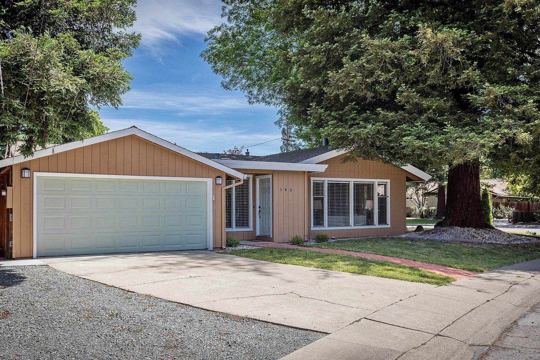Casa Unifamiliar por un Venta en Stunning Recently Updated Single Story 143 Elda Drive Pleasant Hill, California 94523 Estados Unidos