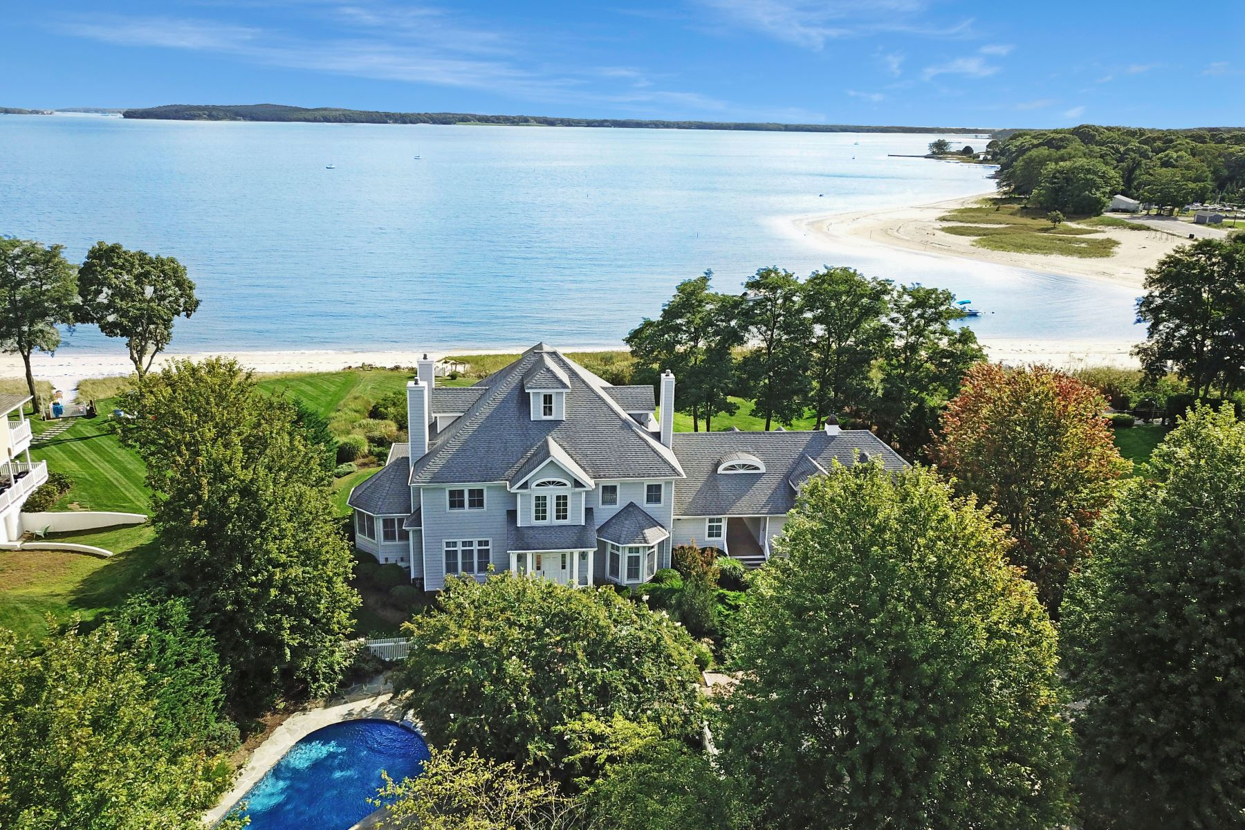 Single Family Home for Active at 1325 Kimberly Ln , Southold, NY 11971 1325 Kimberly Ln Southold, New York 11971 United States